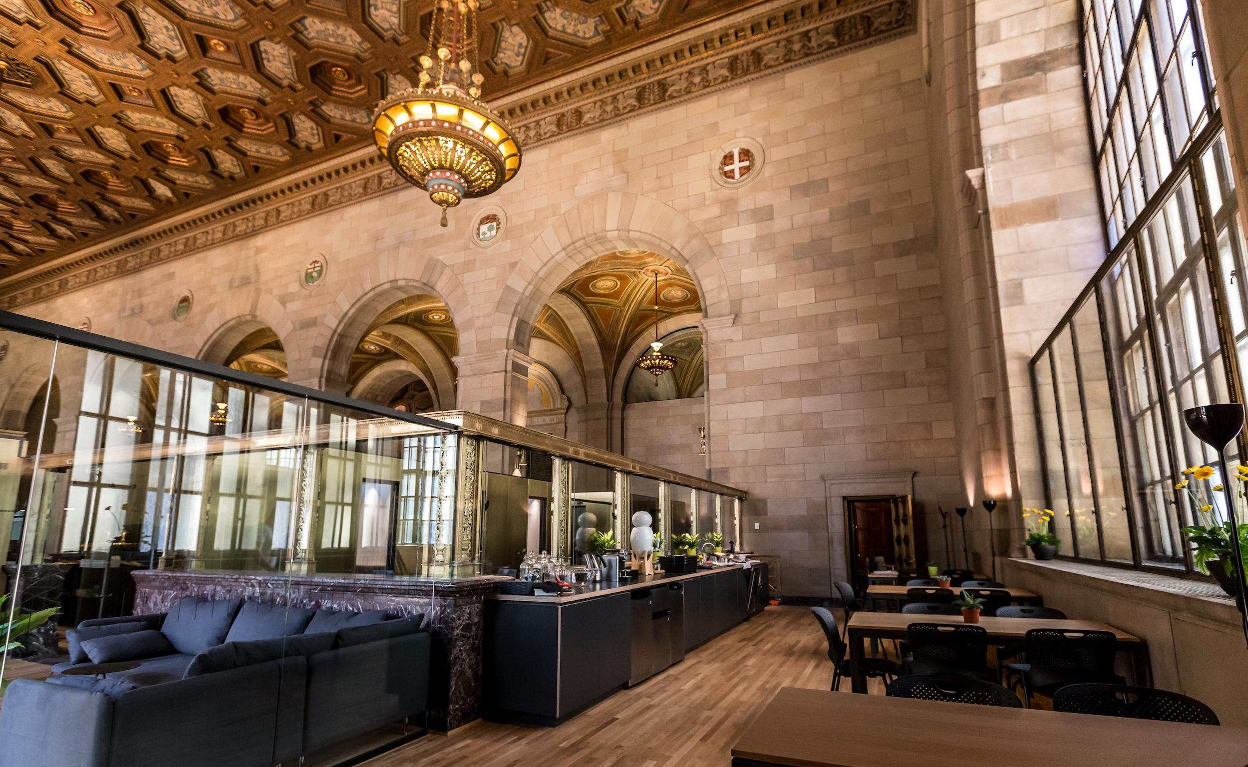 Landmark Montreal Bank Transforms Into Breathtaking Café