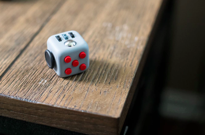 The Fidget Cube hit with shipping delays as knockoffs flood market