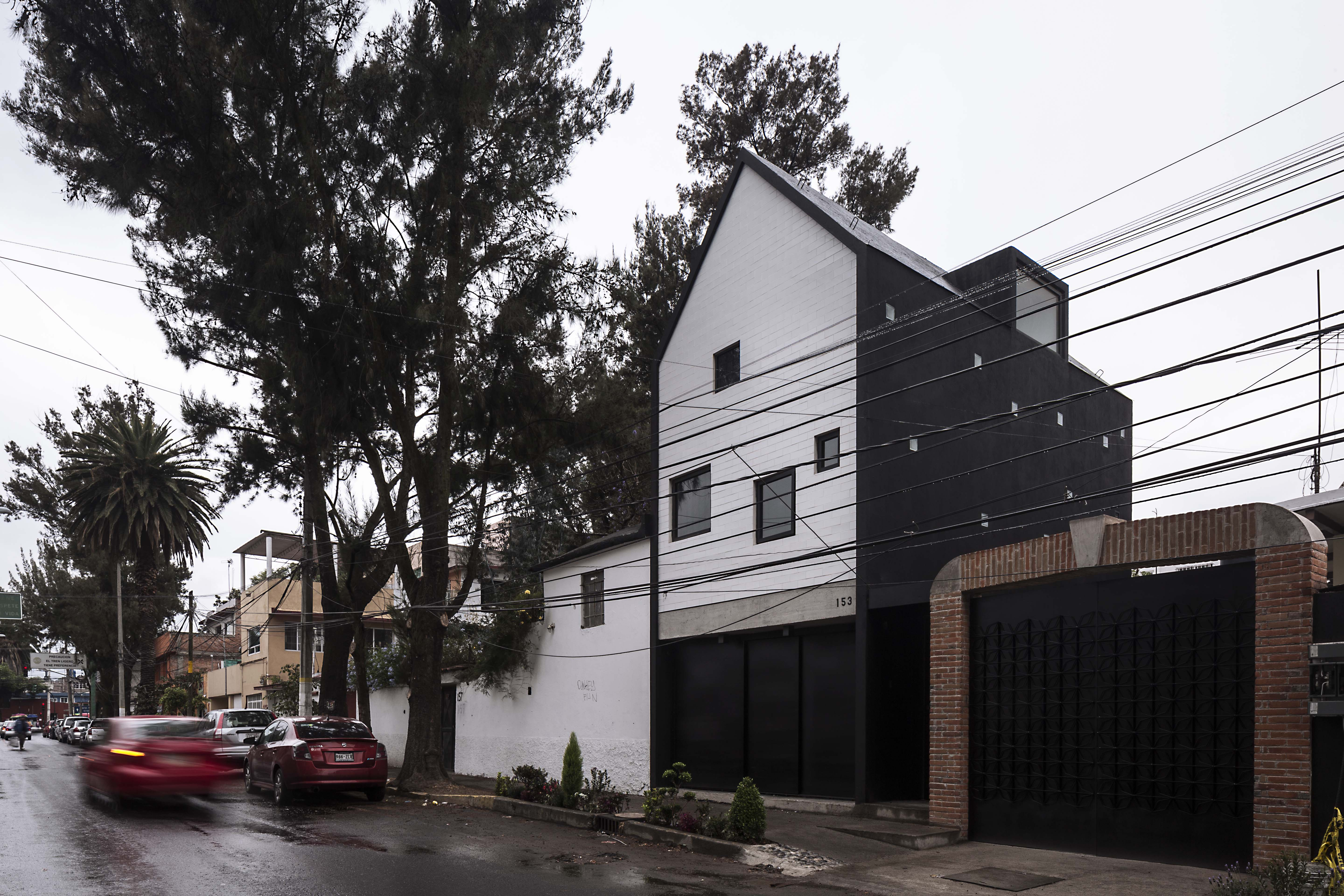 Compact house in Mexico City makes the most of a 380-square-foot lot