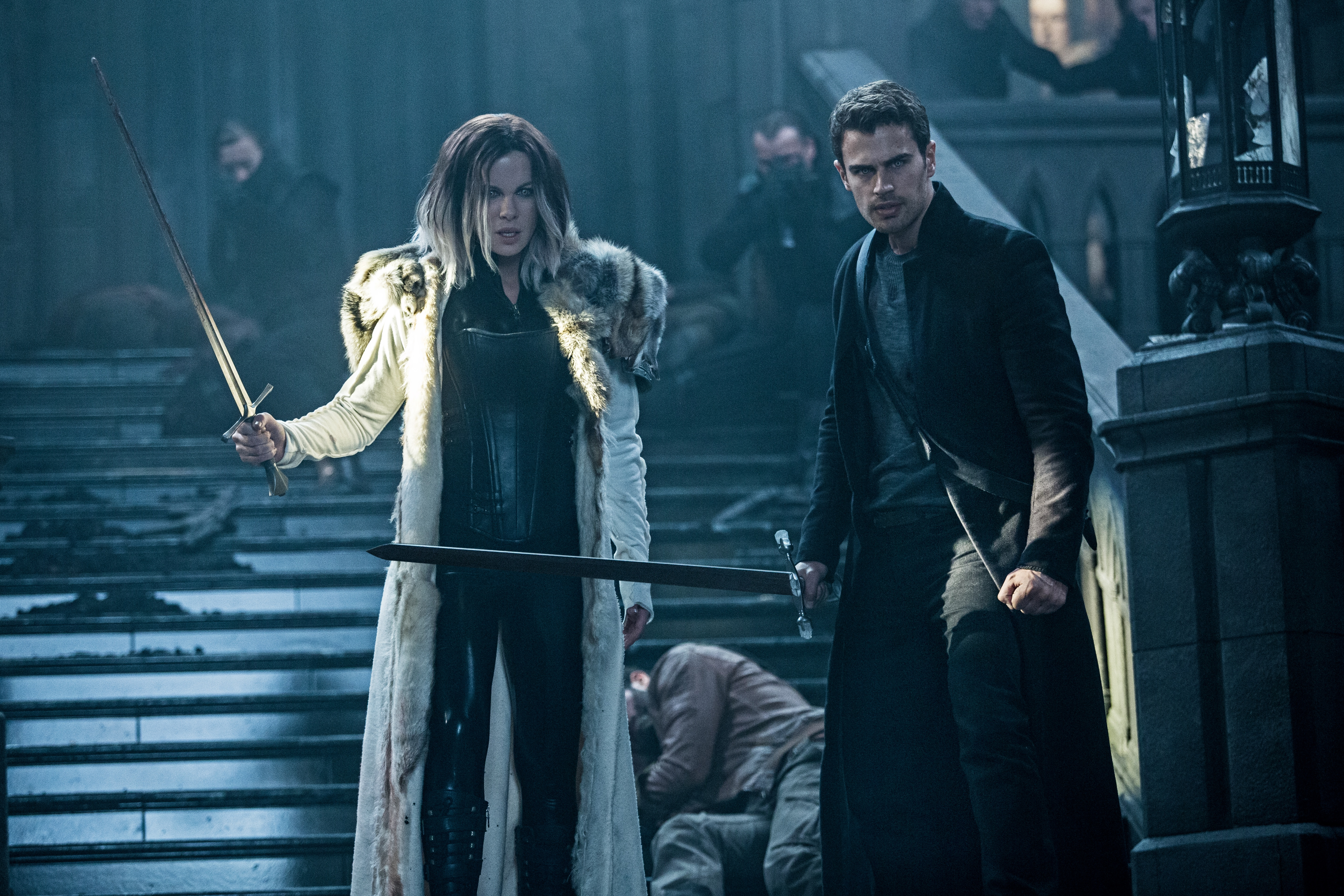 Kate Beckinsale and Theo James in Underworld: Blood Wars