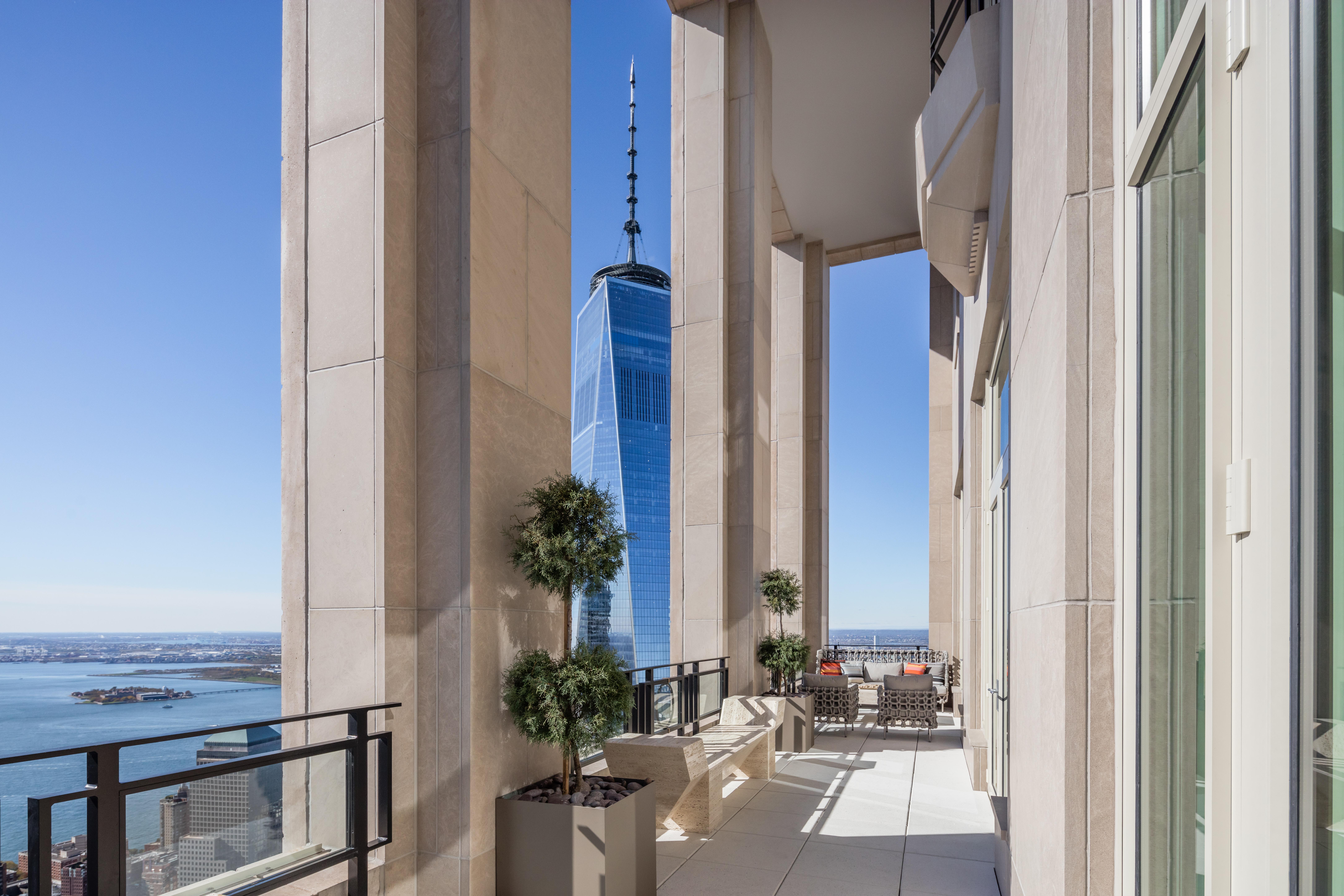 30 Park Place Penthouse 78B