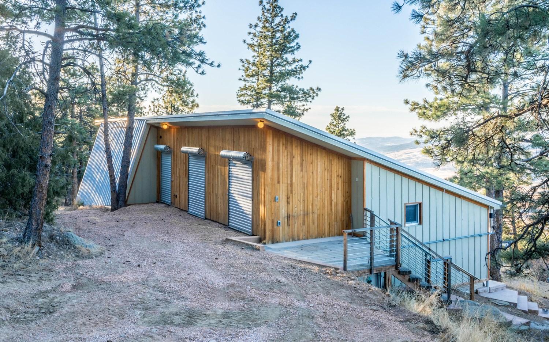 Off-grid Passive House runs entirely on solar in Colorado