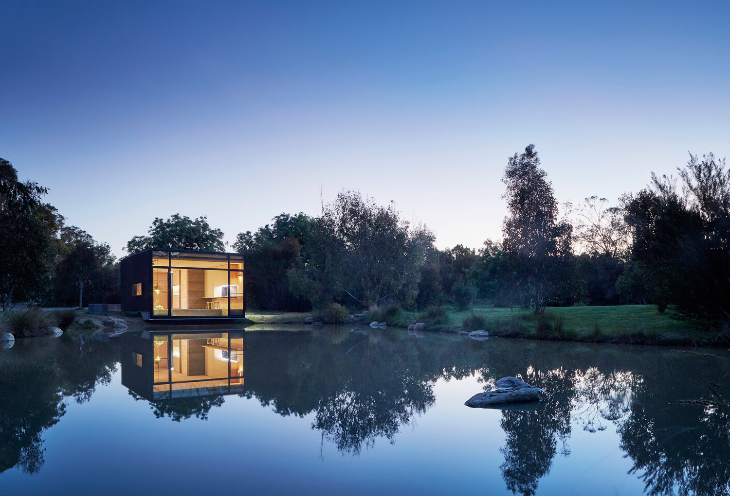 Transforming pond retreat fits everything you need into one box