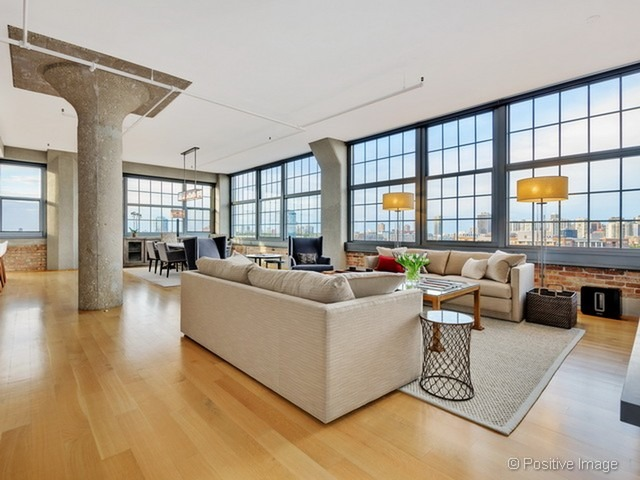 Incredible industrial loft offers equally incredible skyline views