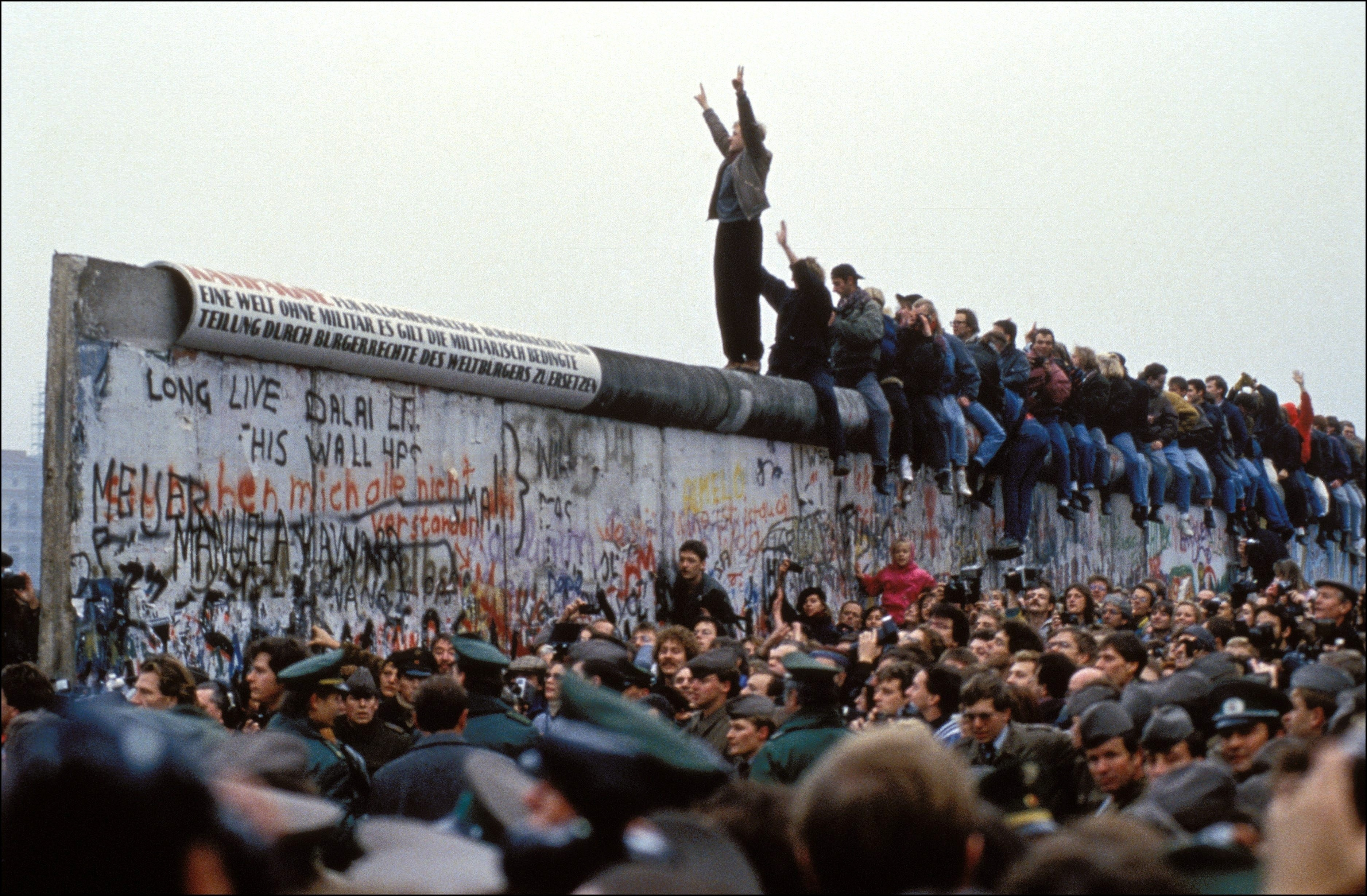 """Berlin's mayor to Trump: """"Mr President, don't build this wall"""""""