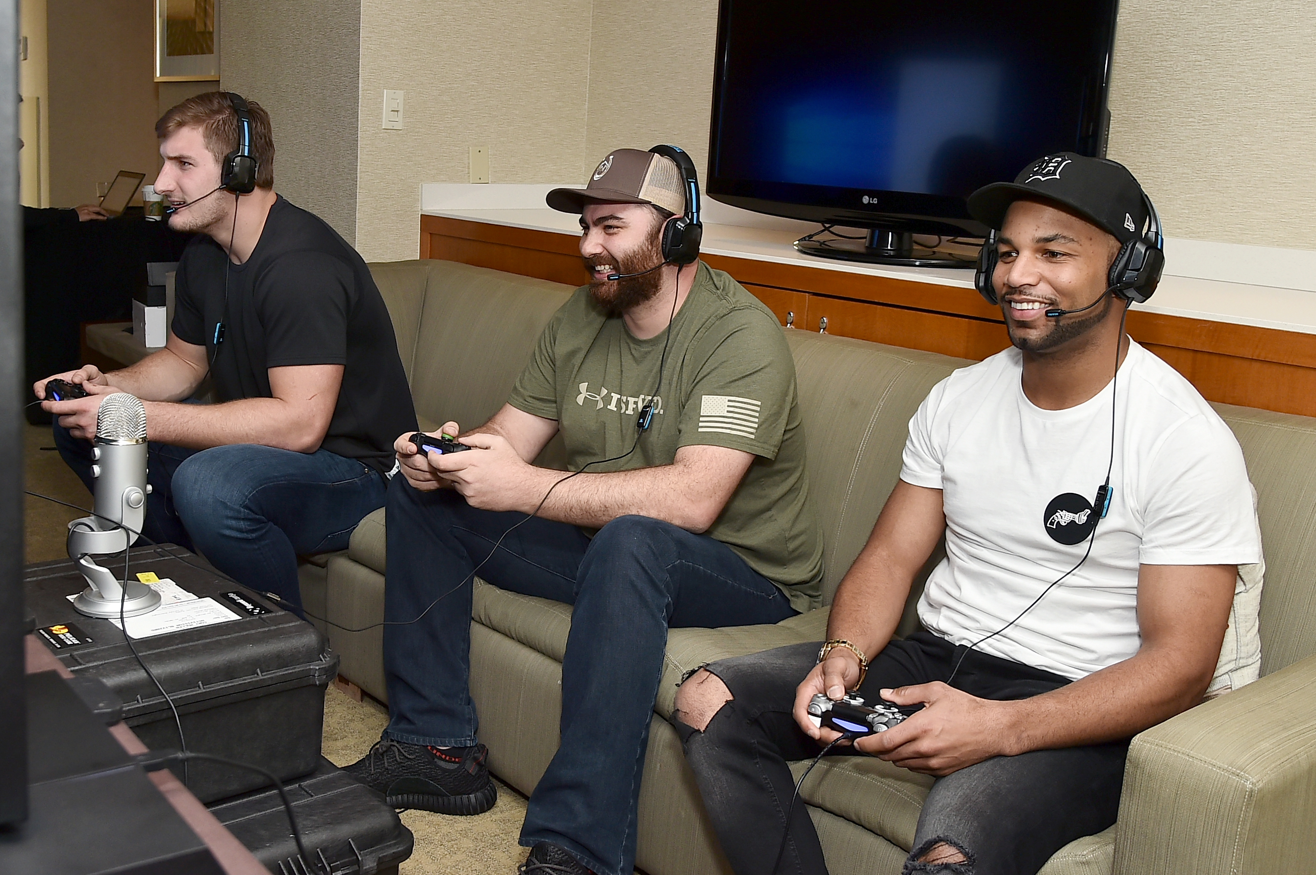 Pro football players Golden Tate and Joey Bosa play Call of Duty: Infinite Warfare Sabotage DLC from Houston