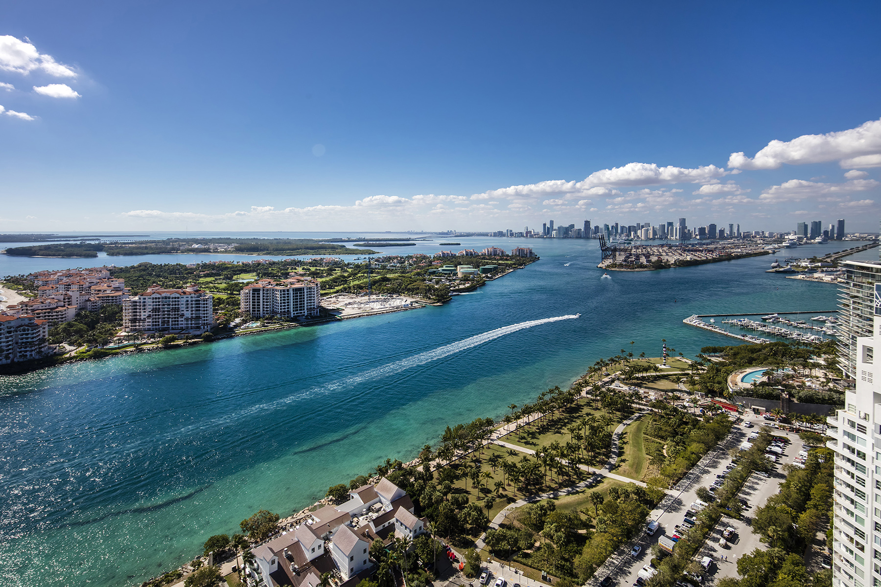 The bay view from Unit 3303 at the Continuum in Miami Beach
