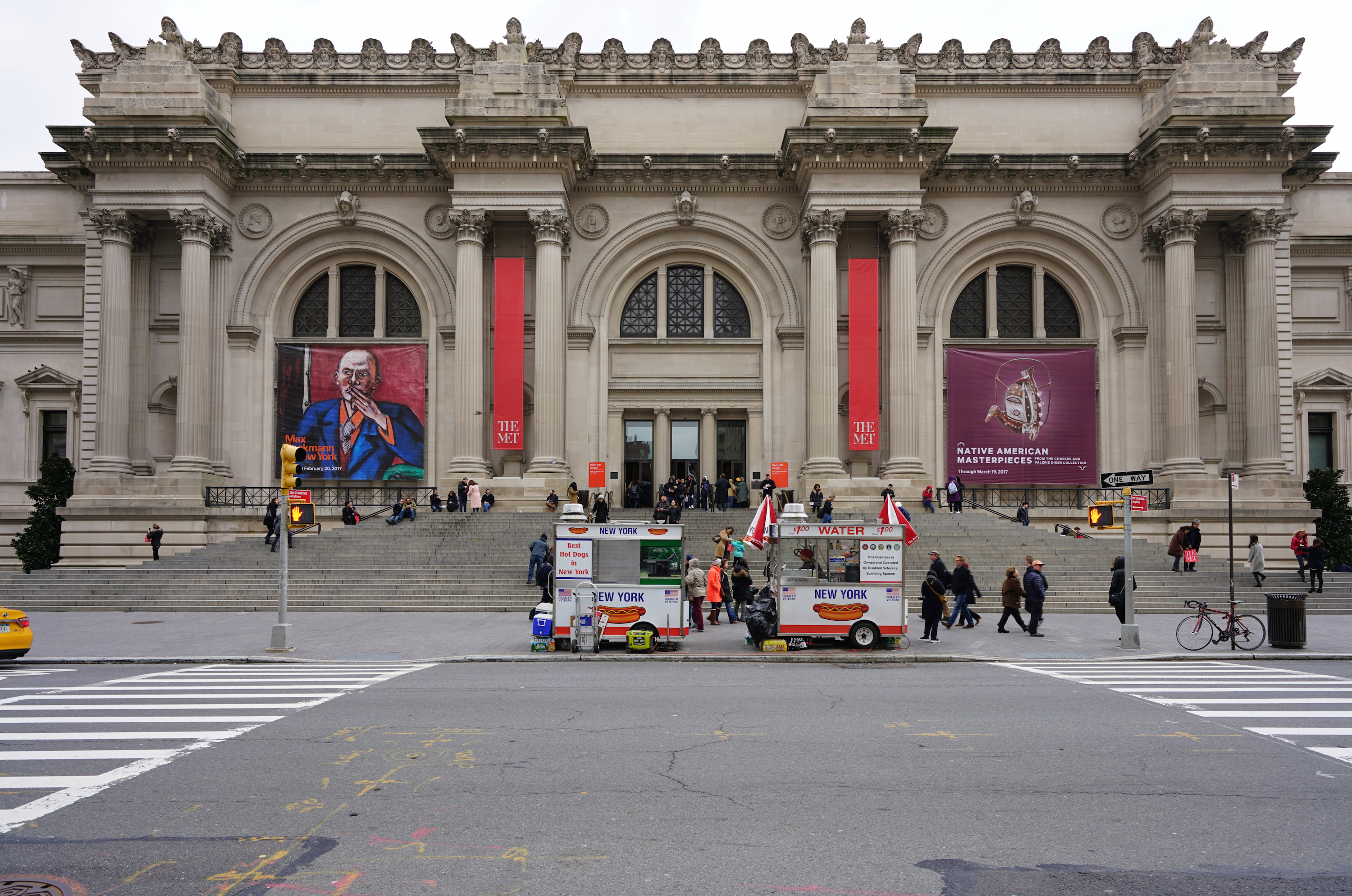 Metropolitan museum of art curbed ny for Metropolitan mueseum of art
