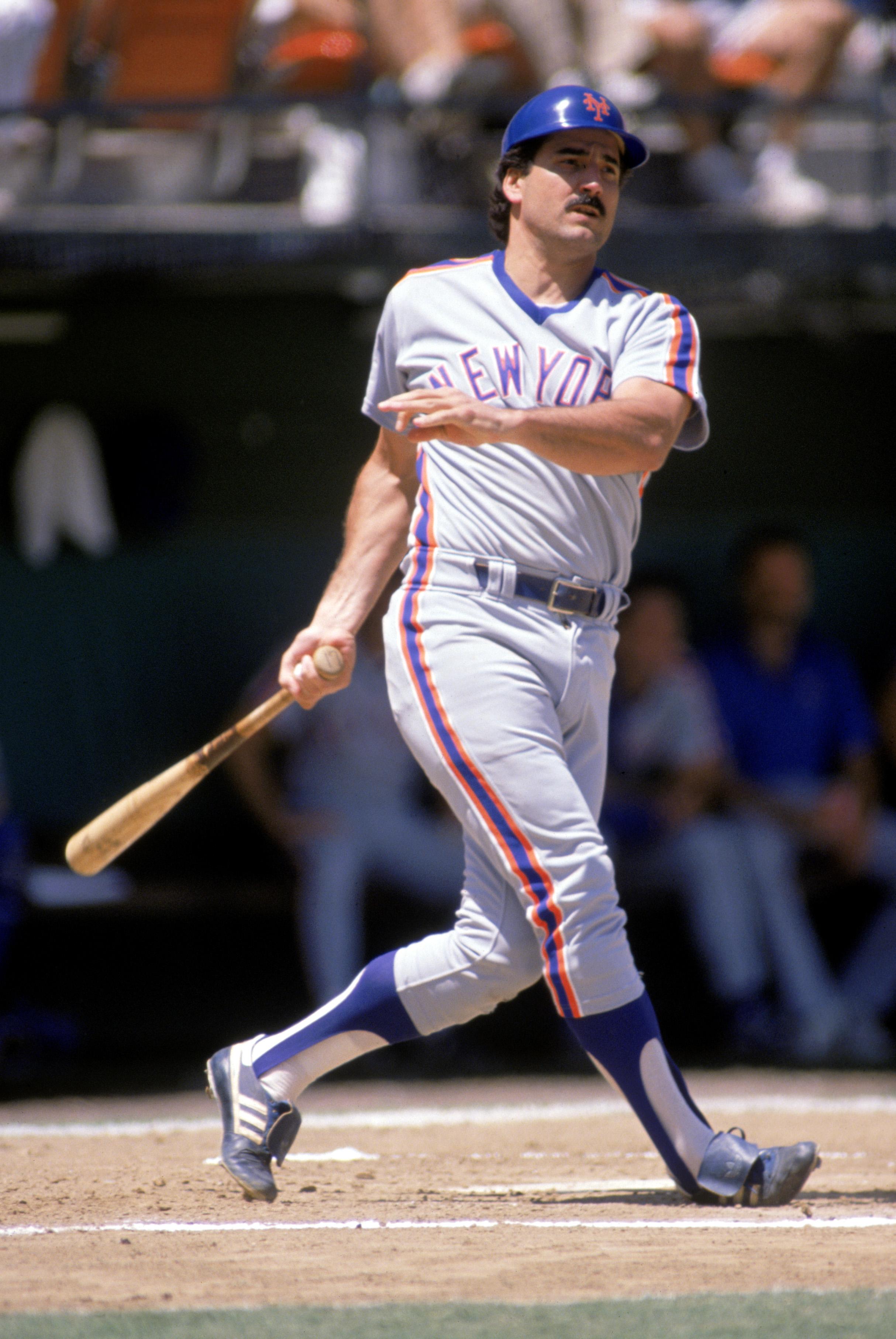 Keith Hernandez swings