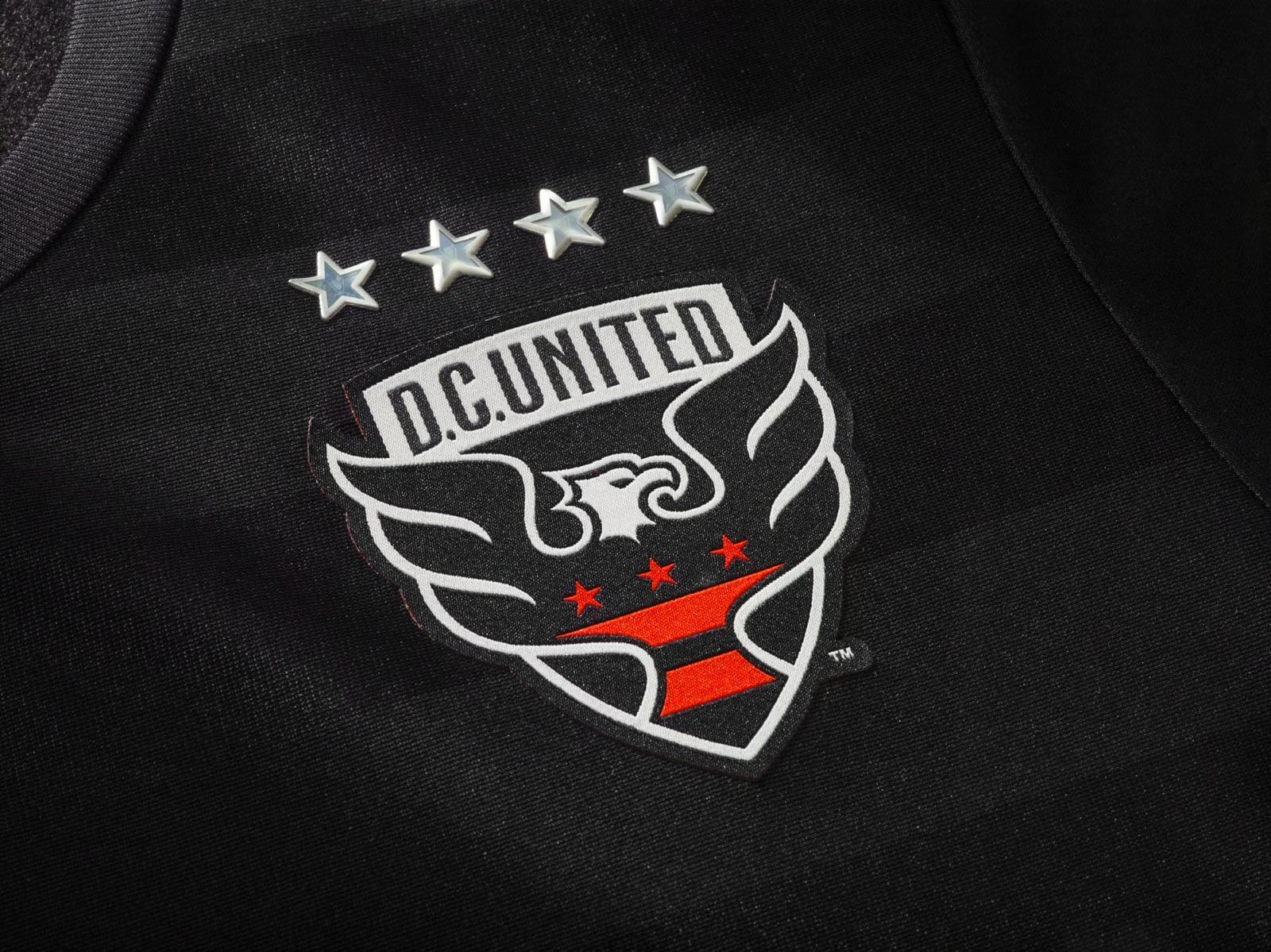2016 DCU jersey tease