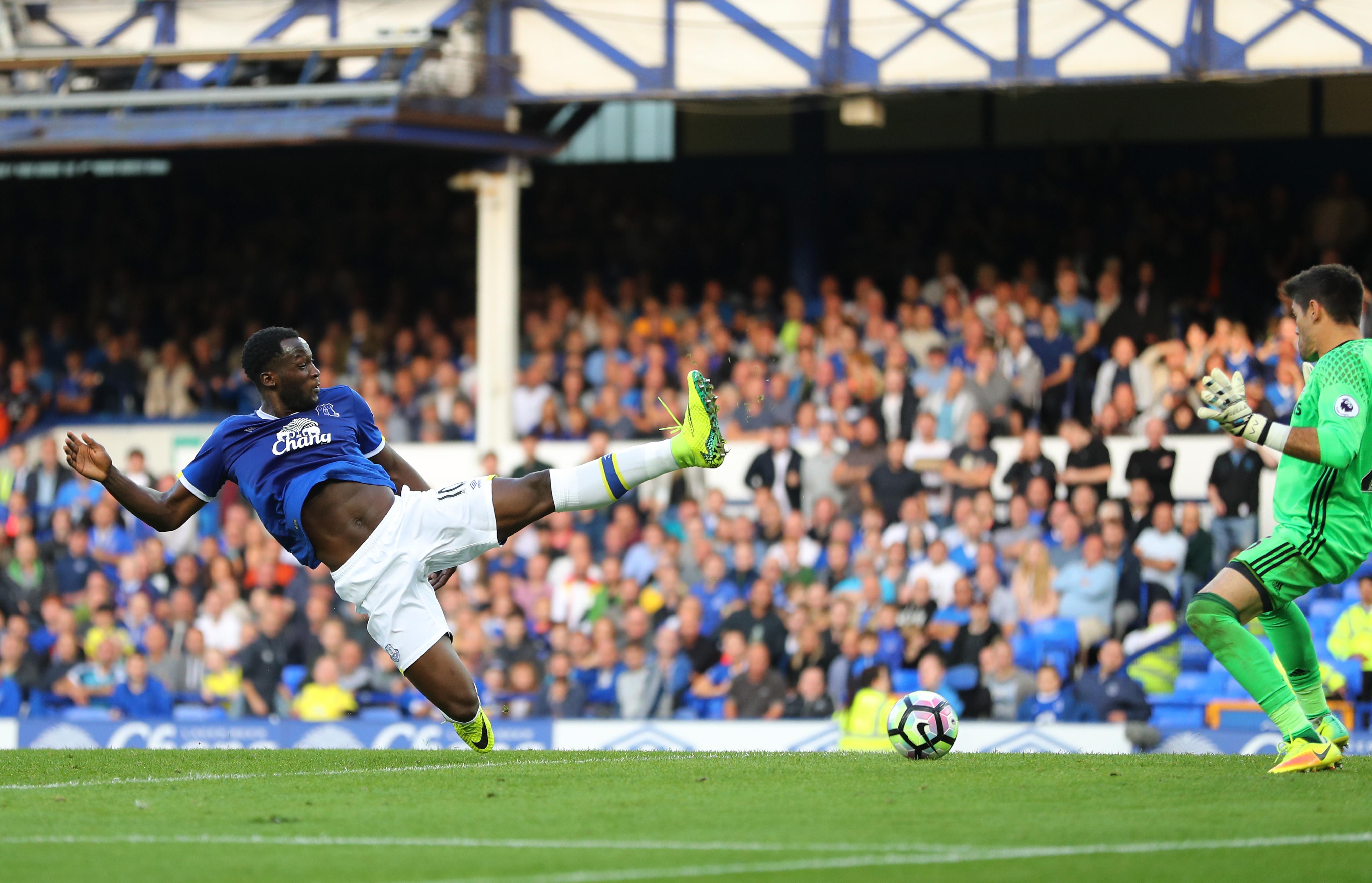 Lukaku scoring against Southampton