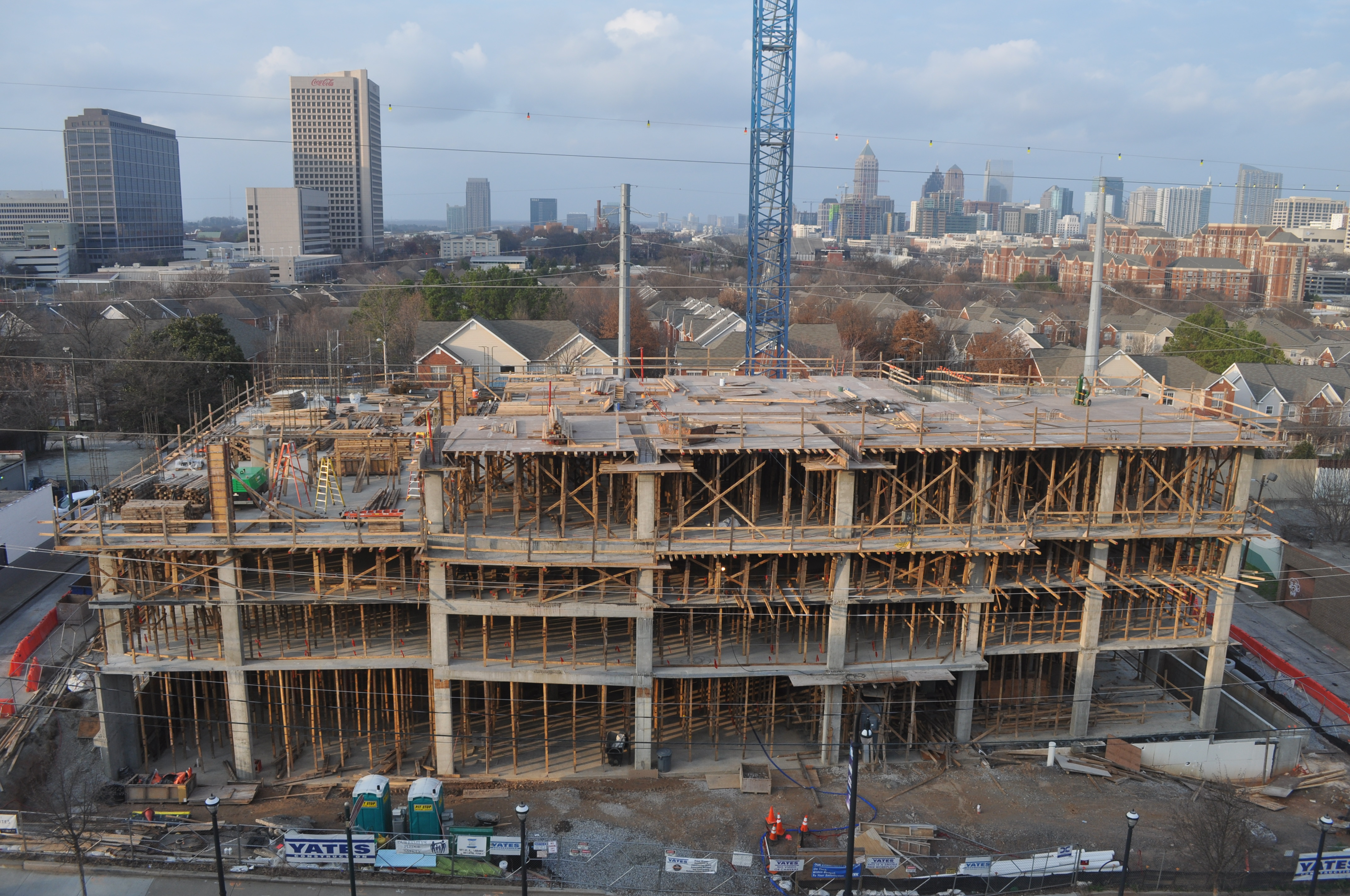 Atlanta hotels curbed atlanta for Hilton hotels near mercedes benz stadium atlanta