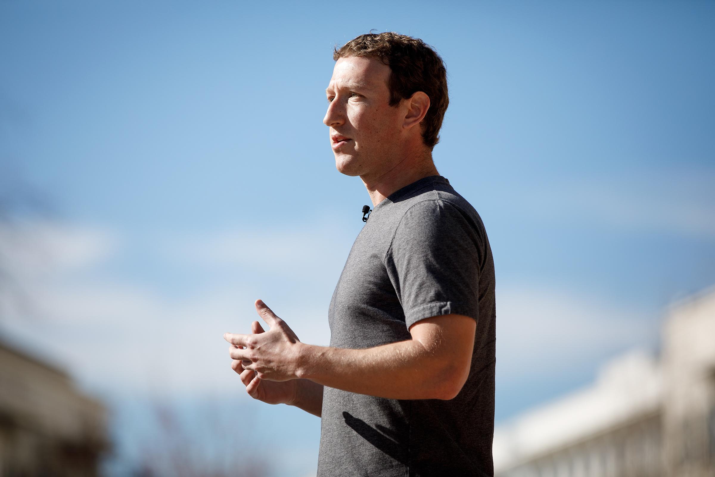 Facebooks First President On Facebook >> Facebook S Mark Zuckerberg Wrote A 6 000 Word Letter Addressing Fake