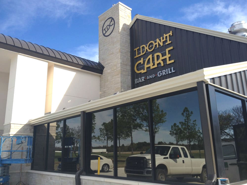 The exterior of I Don't Care Bar & Grill in Catoosa, OK