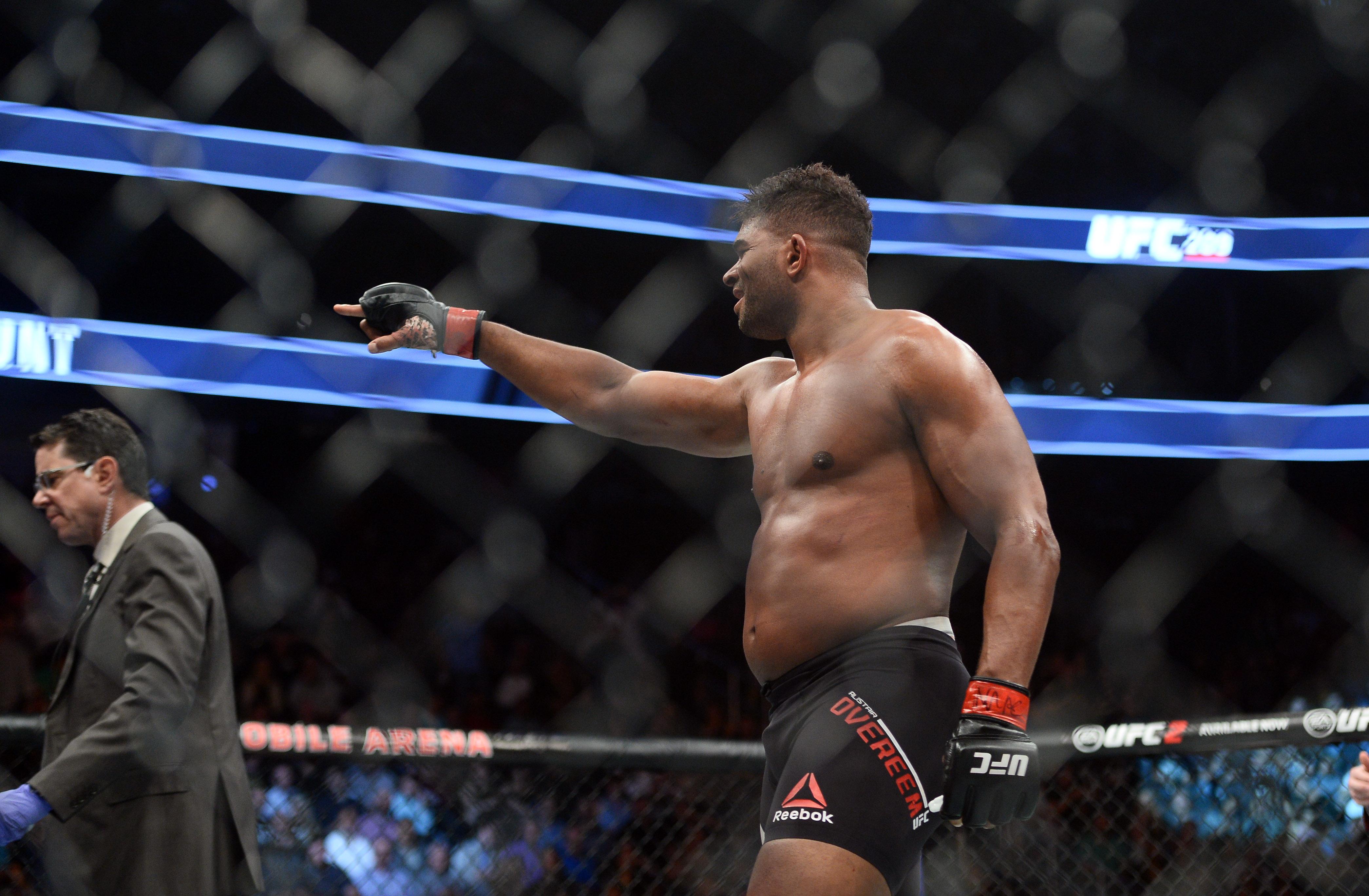 MMA: UFC 209-Hunt vs Overeem
