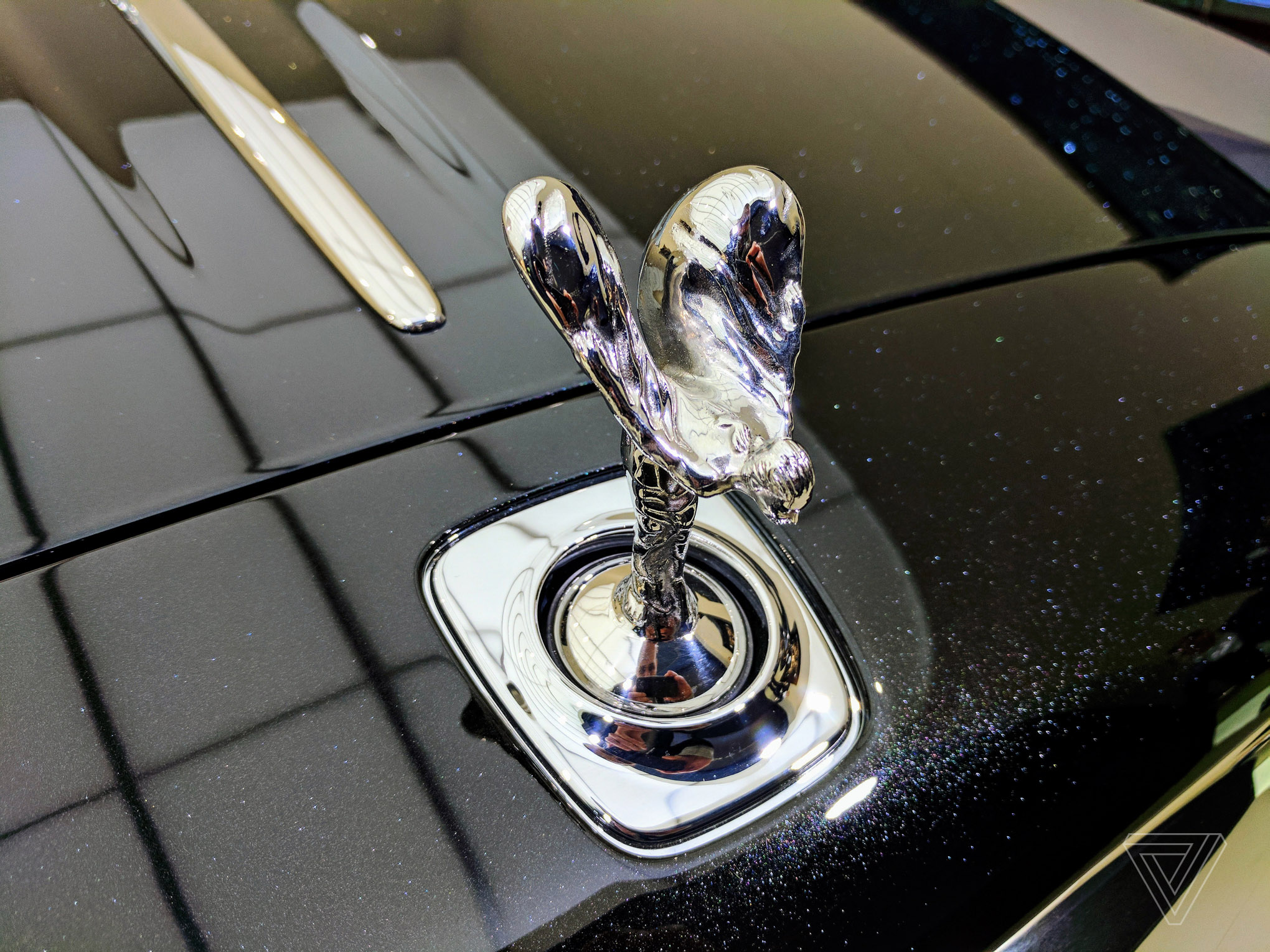 Rolls-Royce Ghost with diamond dust in the paint