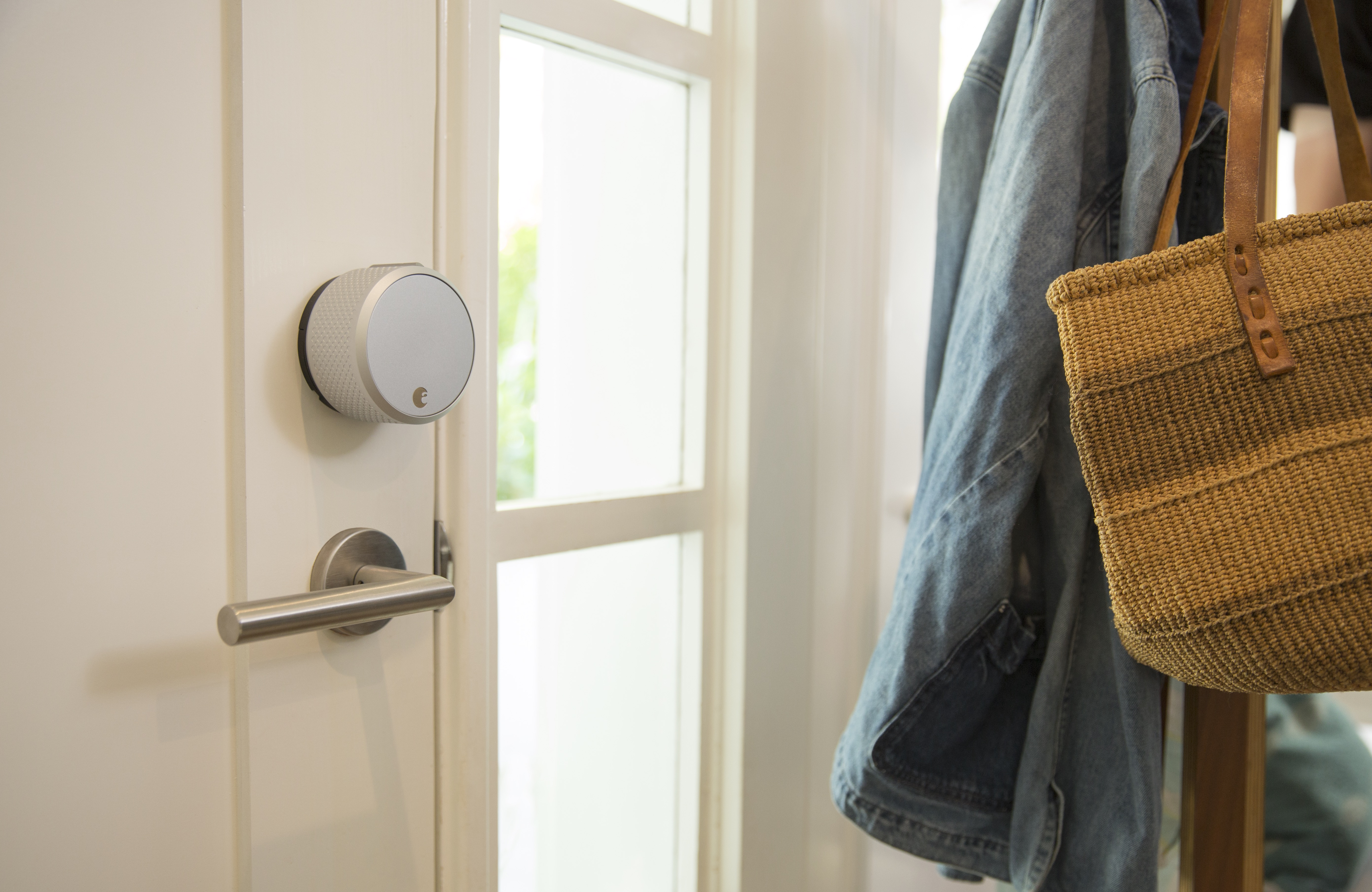 Smart locks 101: pros and cons to know