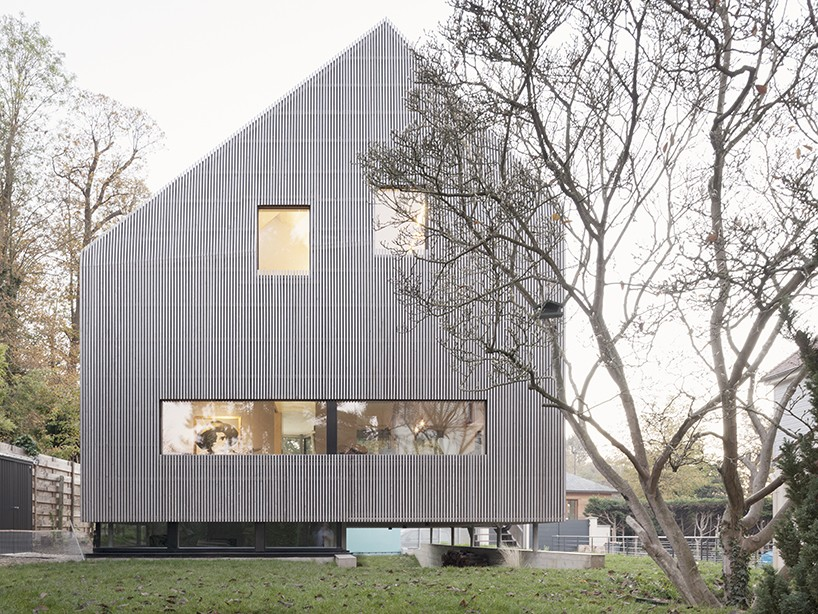 contemporary house outside of Paris