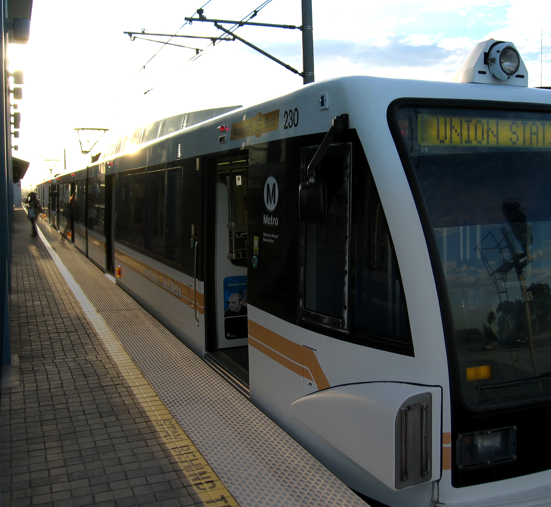 Gold Line train