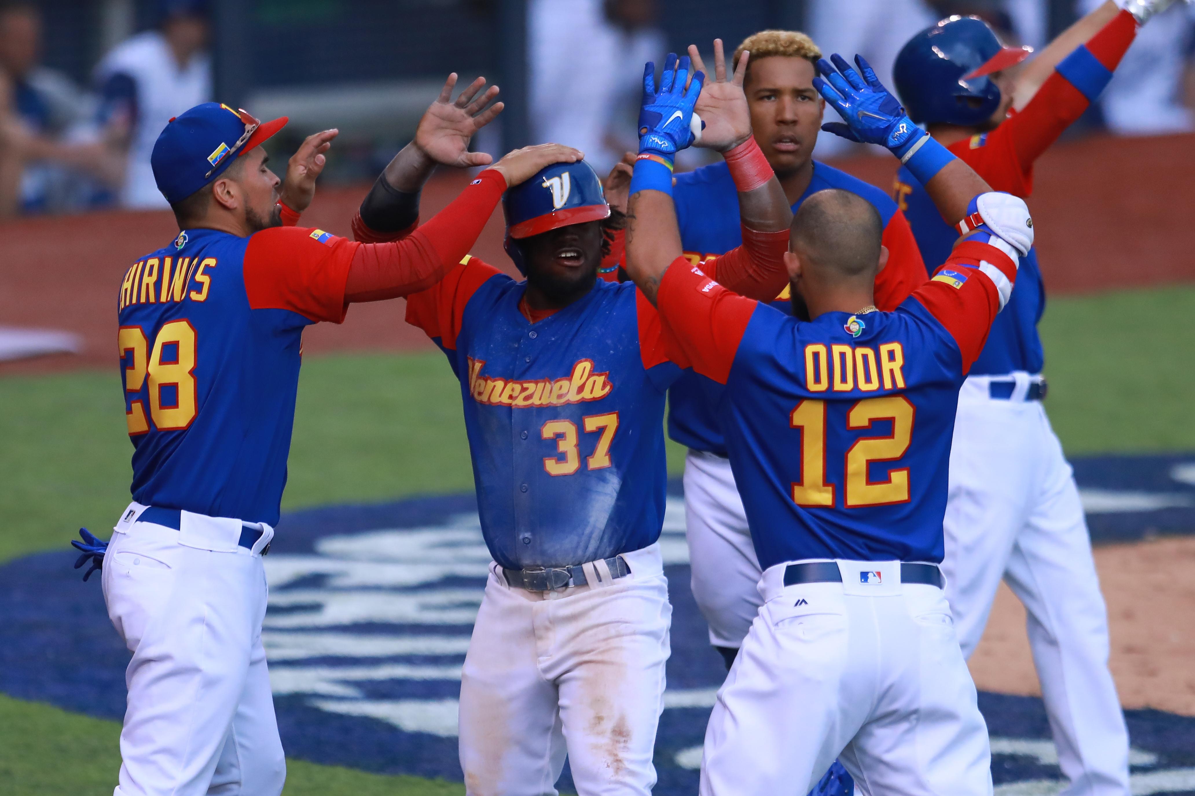 World Baseball Classic - Pool D - Game 3 - Venezuela v Italy