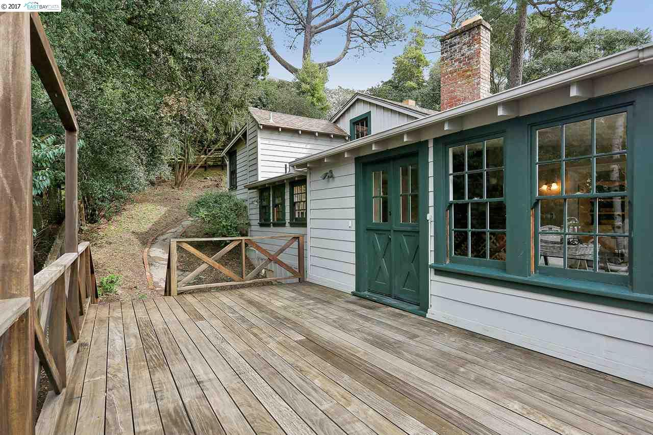 Barn-style Oakland home, featured in 1941 'Sunset Magazine,' asks $725,000