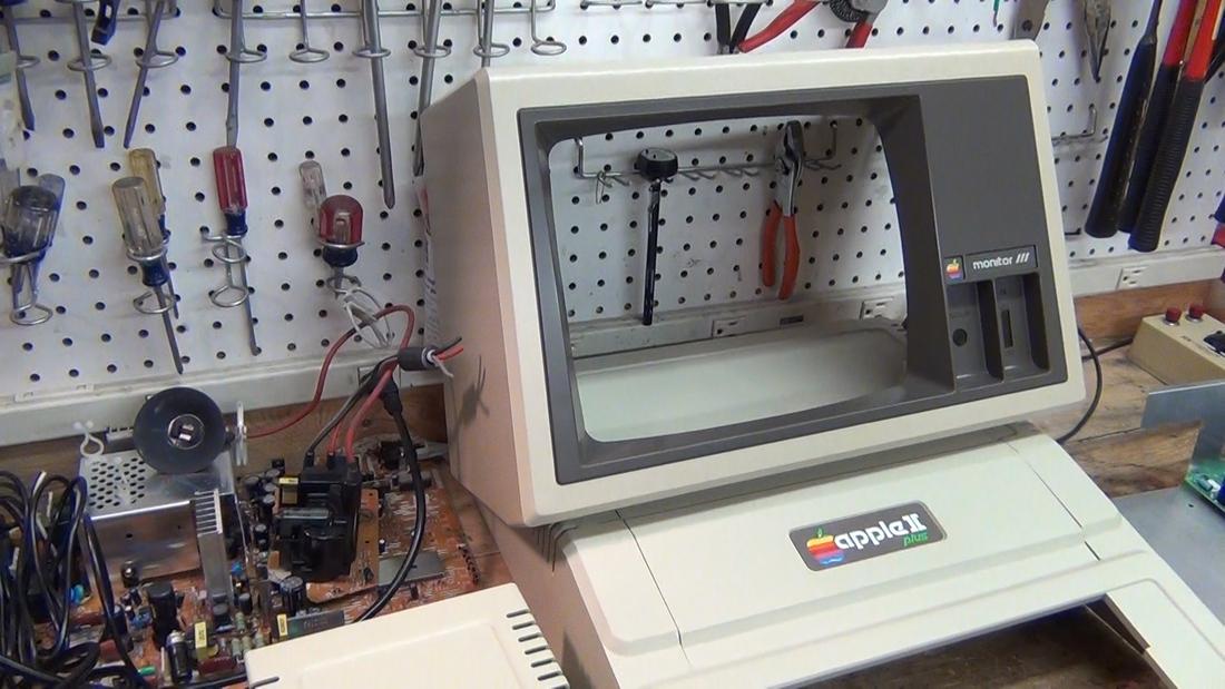 Apple II teardown