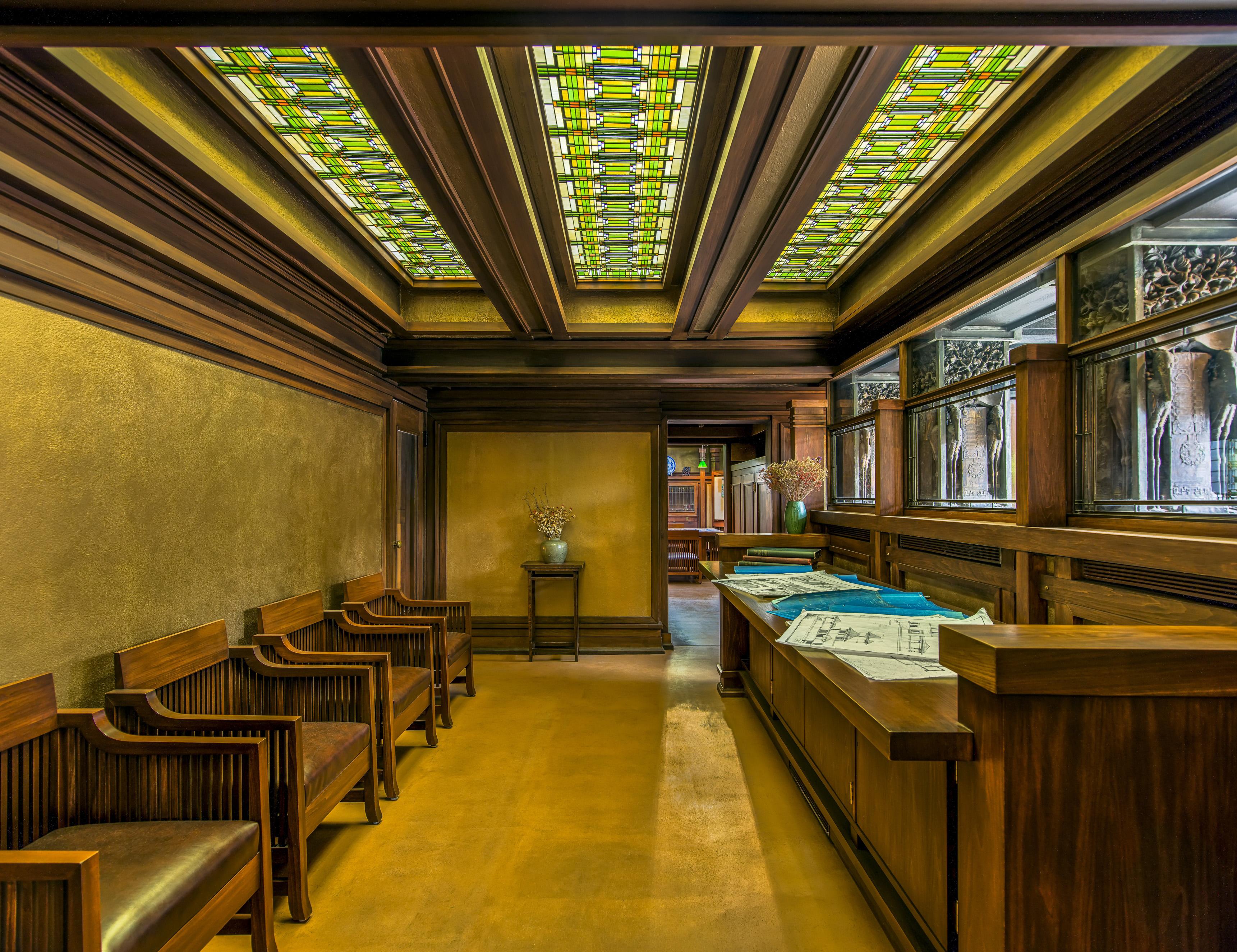 Frank Lloyd Wright Curbed