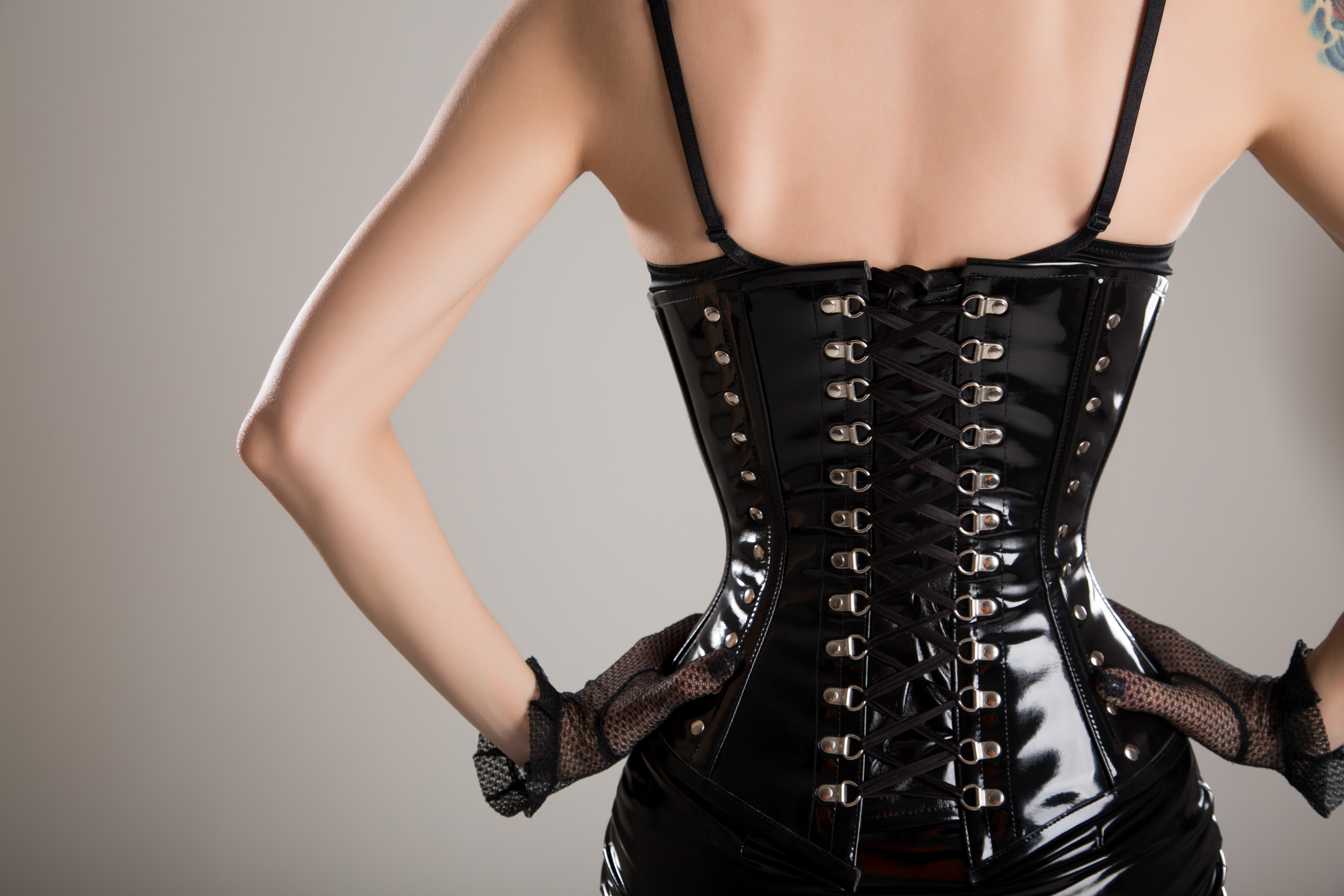 13 Things You're Dying to Know About Waist Training - Vox