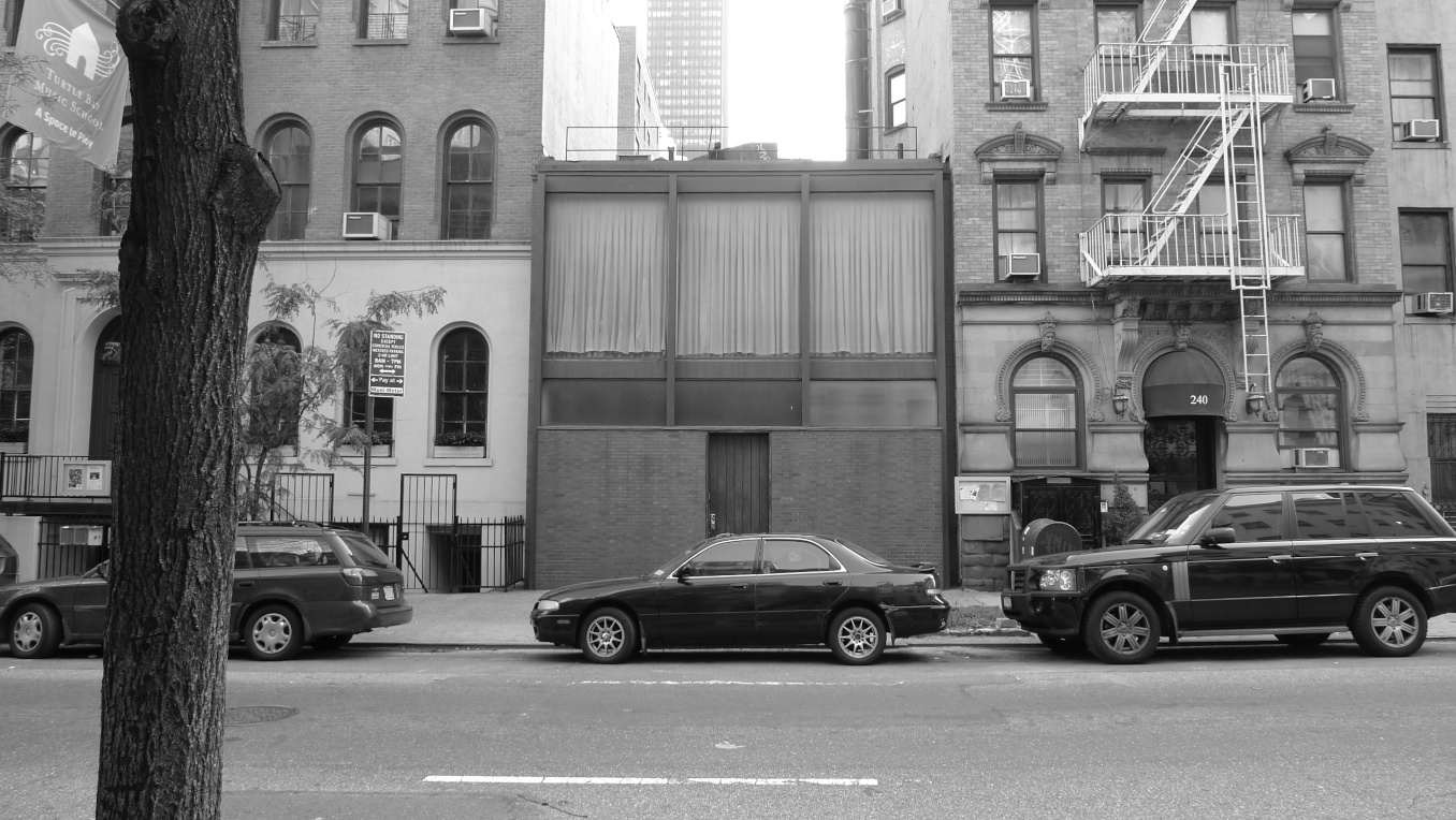 Modernist architect Philip Johnson designed a tiny house in Midtown