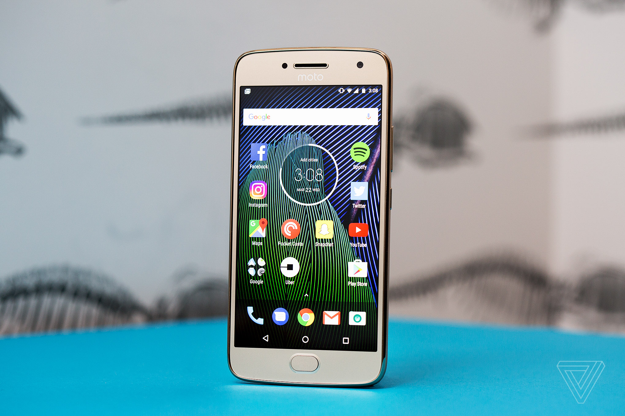 Moto G5 Plus review: a new value champion - The Verge