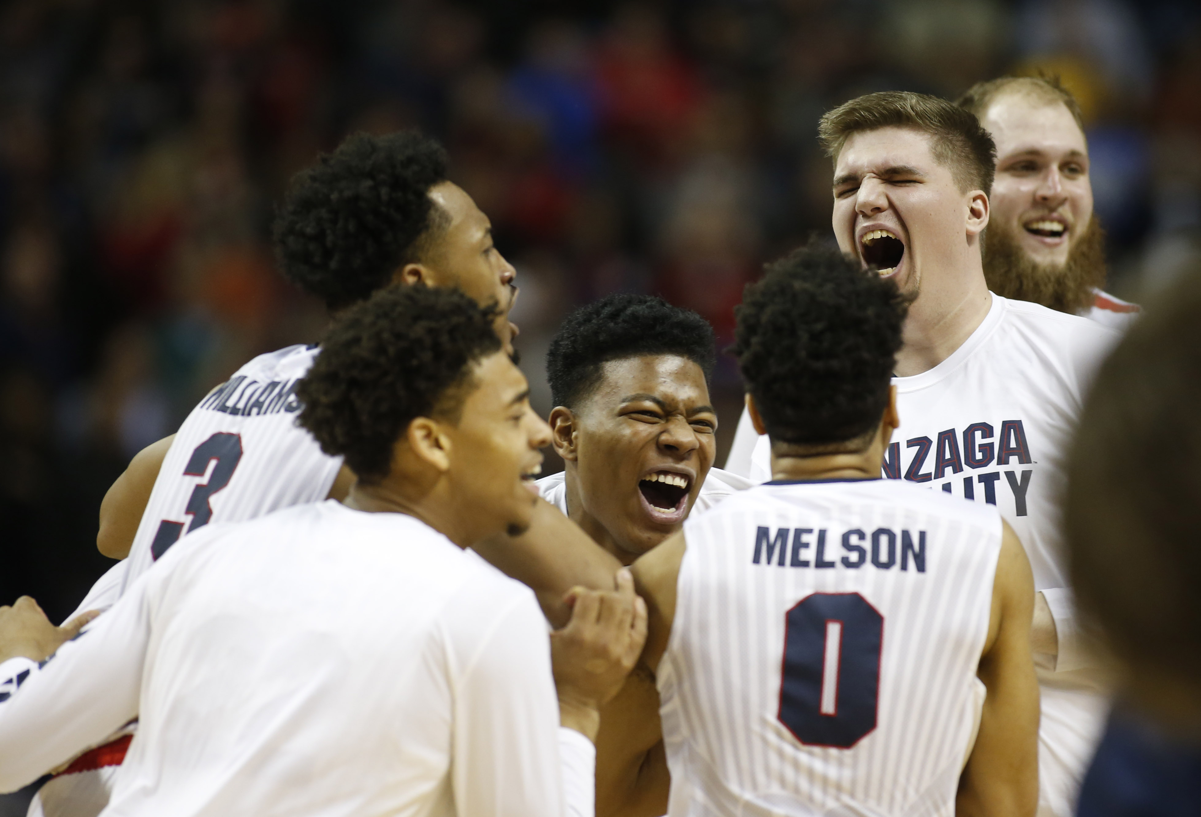 NCAA Thursday scores: No. 11 Xavier shocks Arizona, Gonzaga barely survives