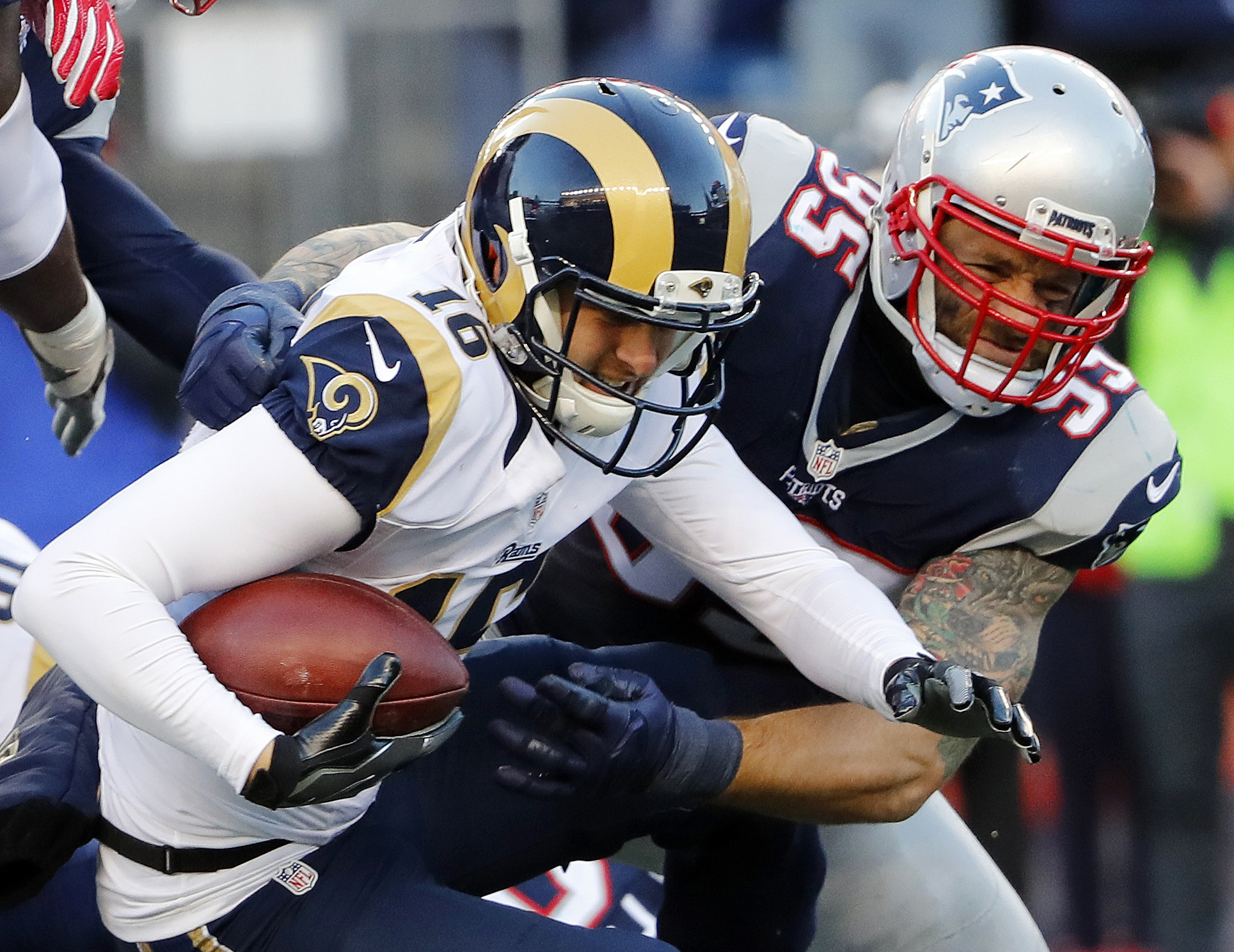 Former Los Angeles Rams DE Chris Long sacks Rams QB Jared Goff