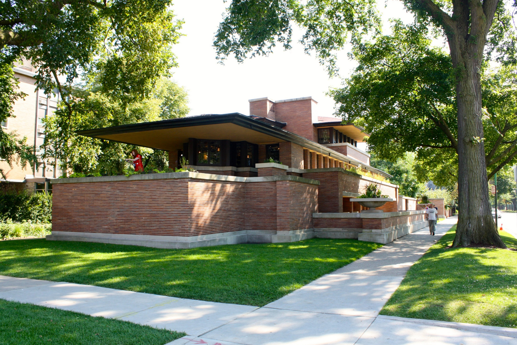 Happy hours returning once again to Frank Lloyd Wright's iconic Robie House