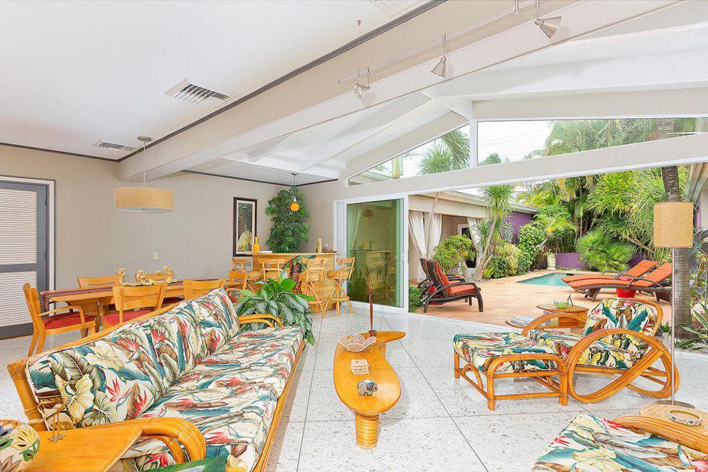A midcentury modern interior in Delray Beach