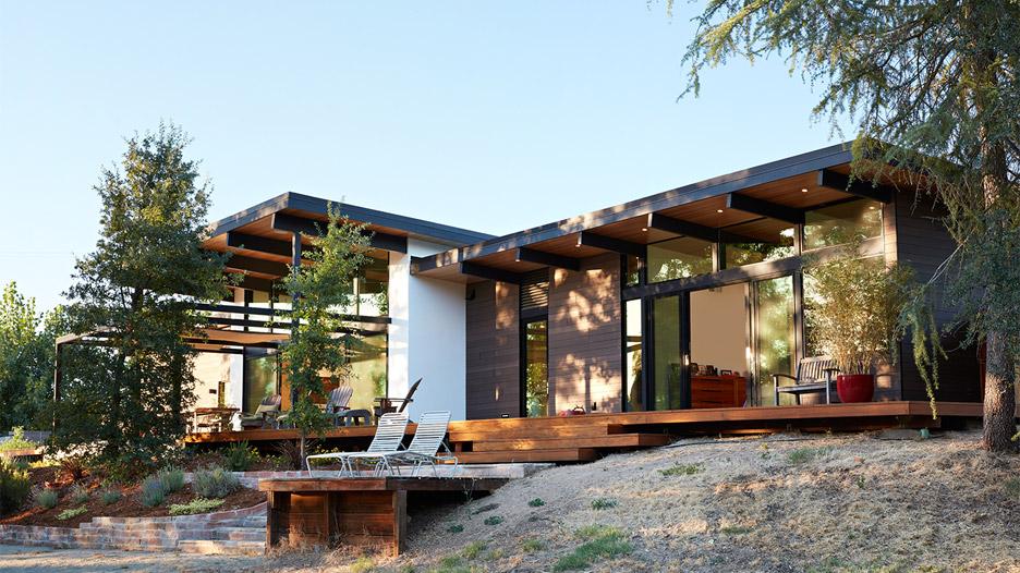 Midcentury-inspired California home is an indoor-outdoor dream