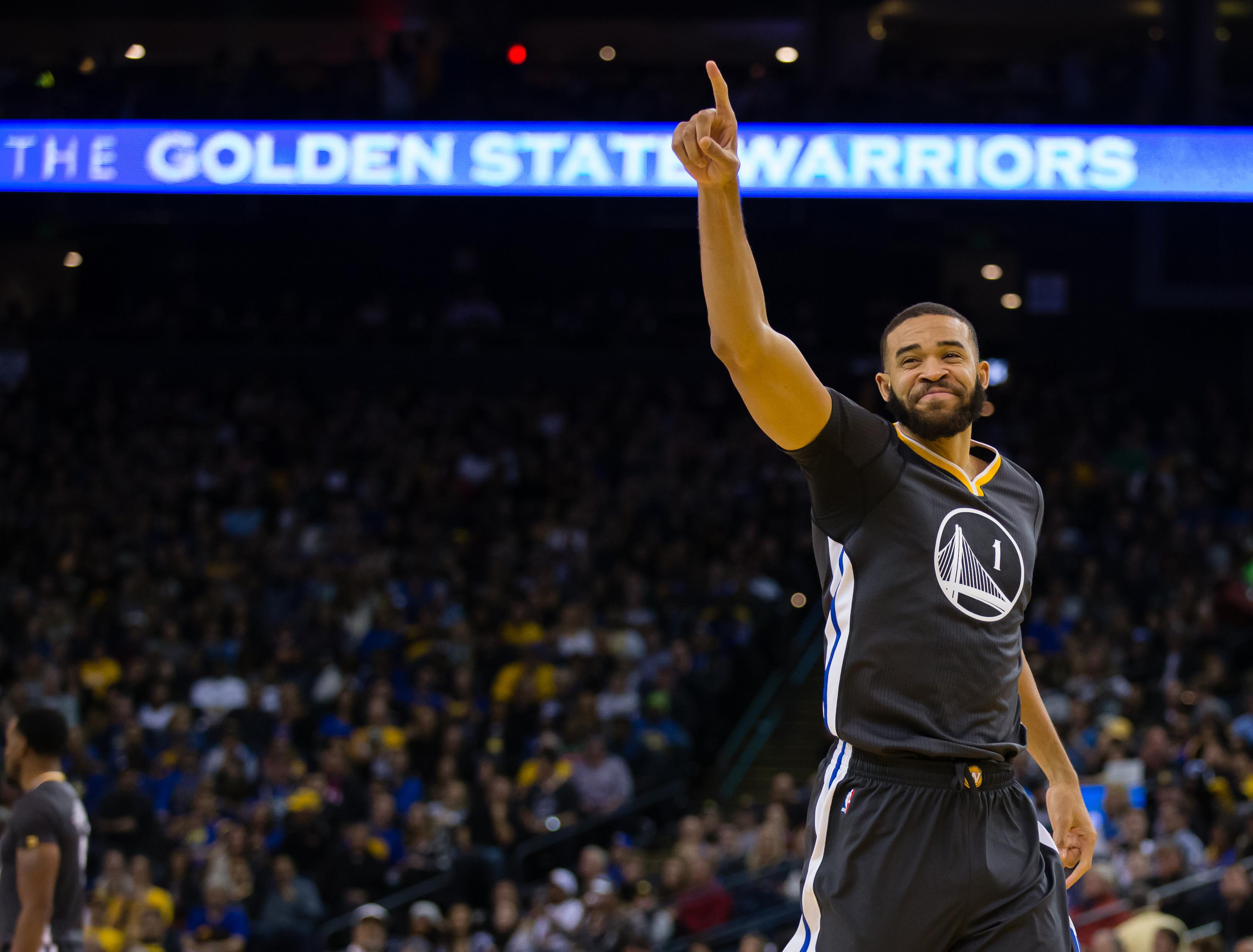 0419c7ca812 Explain One Play  JaVale McGee (what ) sinks the Suns - Golden State ...