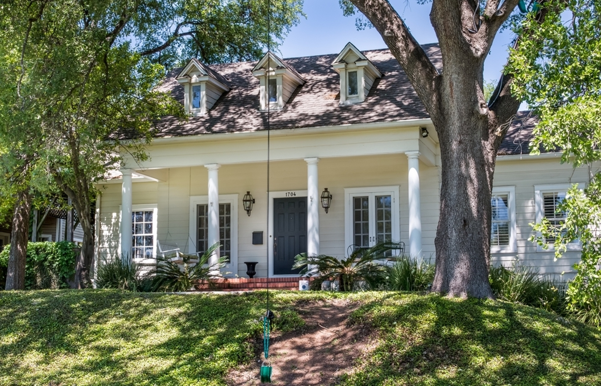 Cost to build a new house in austin - After A Hefty Price Chop This Old West Austin Home Is Now Asking 1 7m