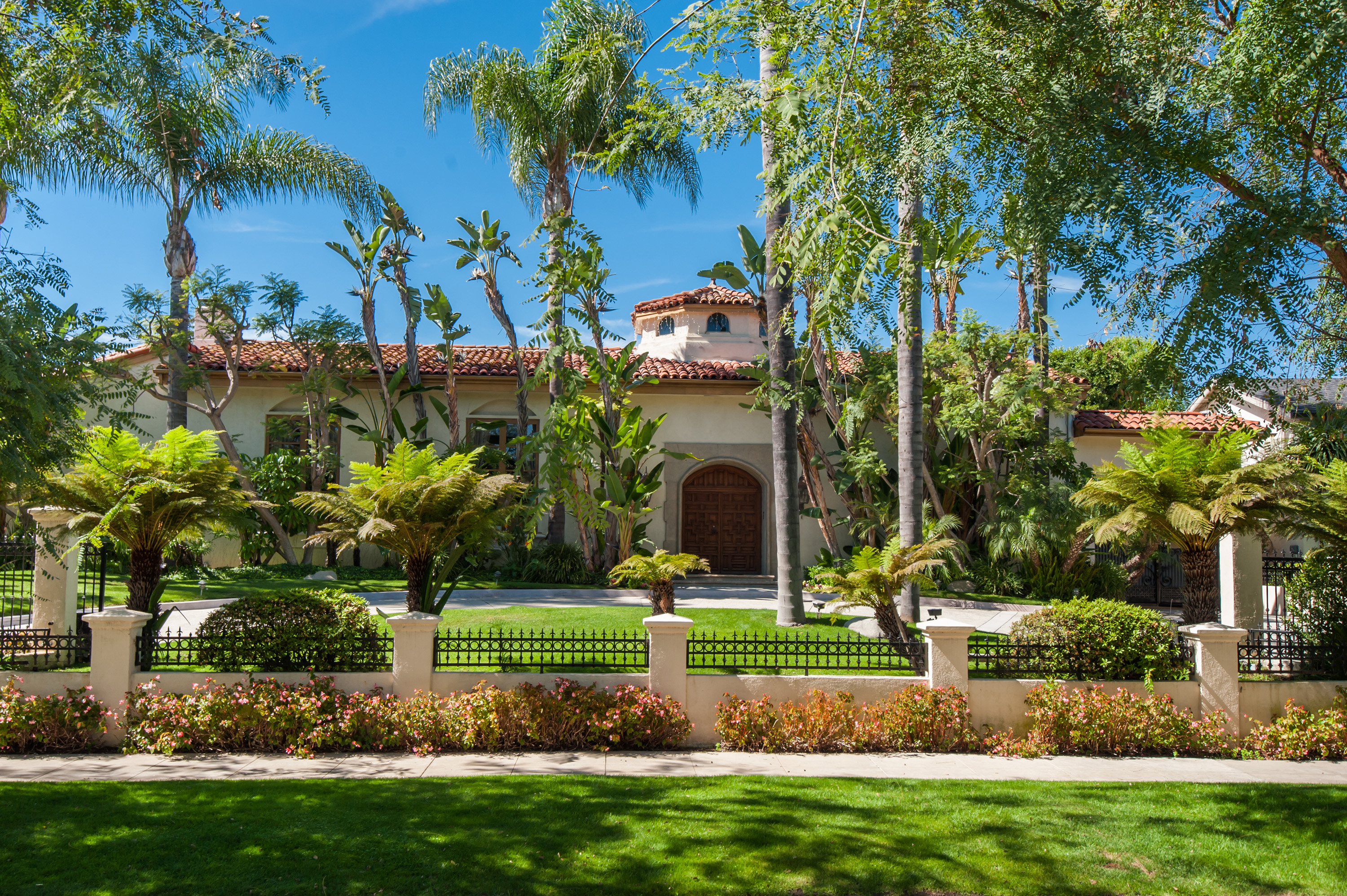 Los angeles celebrity homes curbed la for Celebrity home tours beverly hills