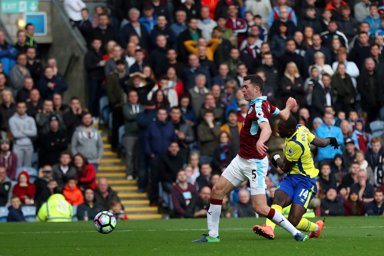 Yannick Bolasie scoring for Everton against Burnley