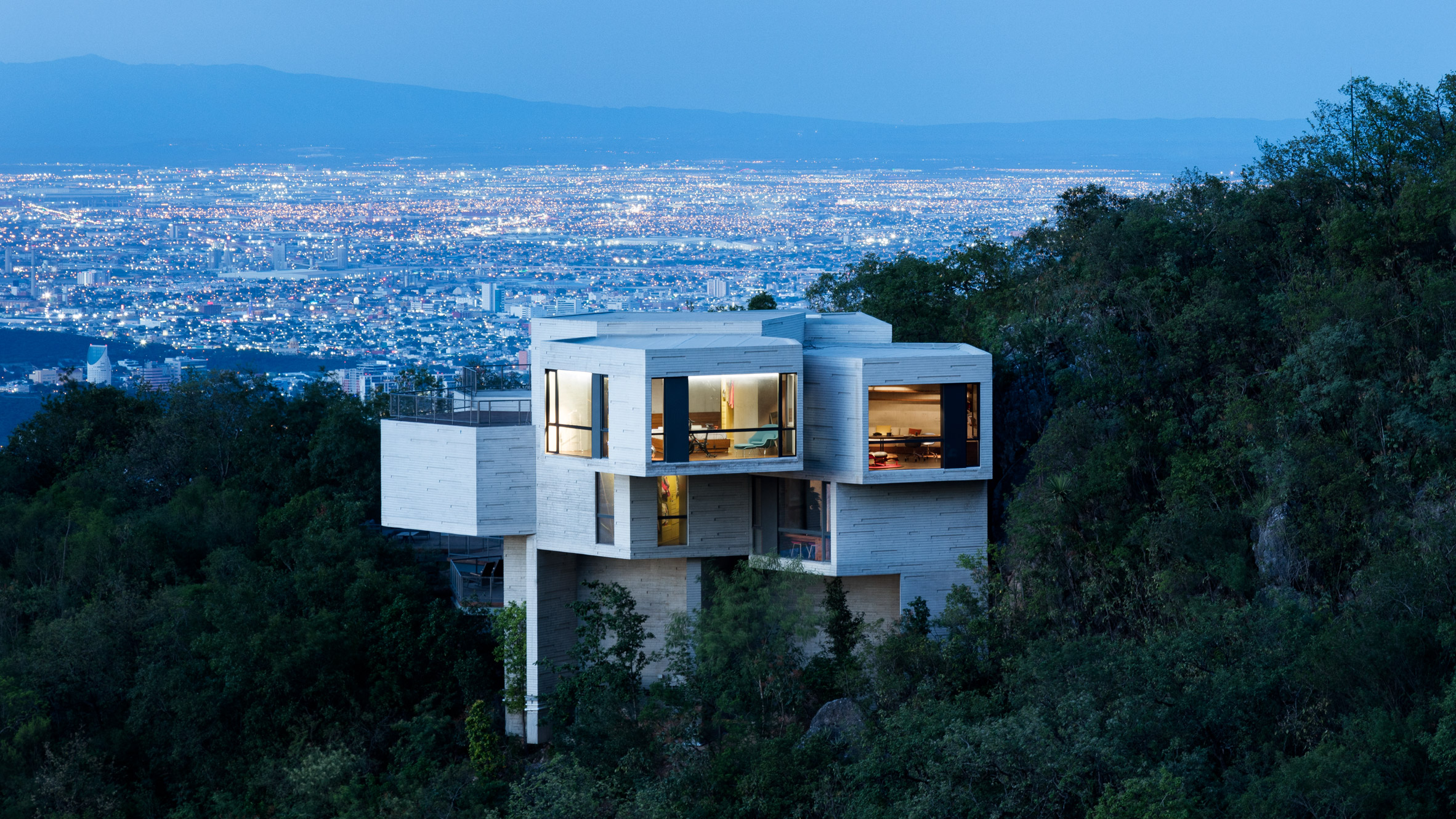 cantilevered concrete home in Mexico