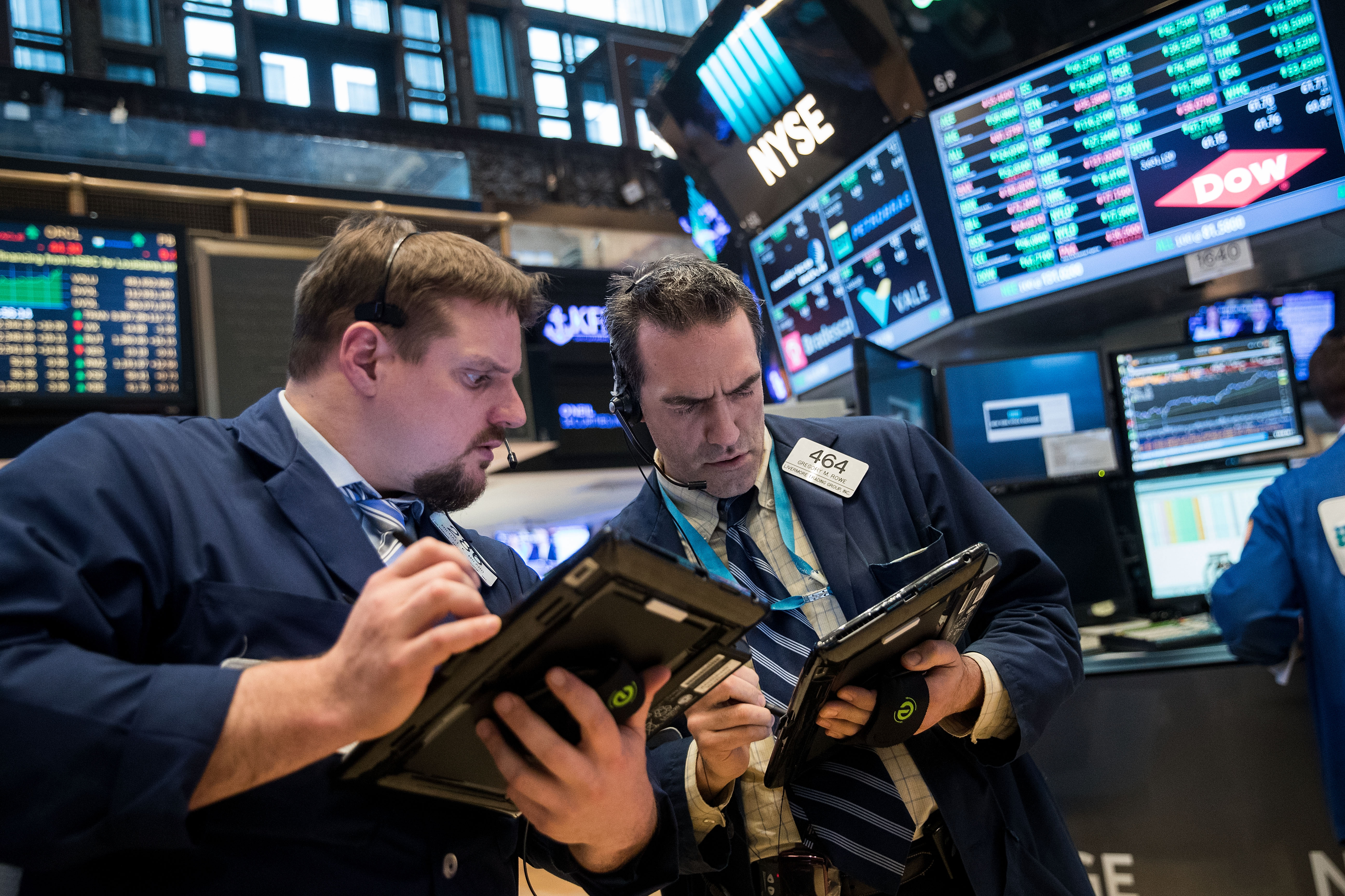 Stocks Rise As Investor Optimistic About Current Earnings Season