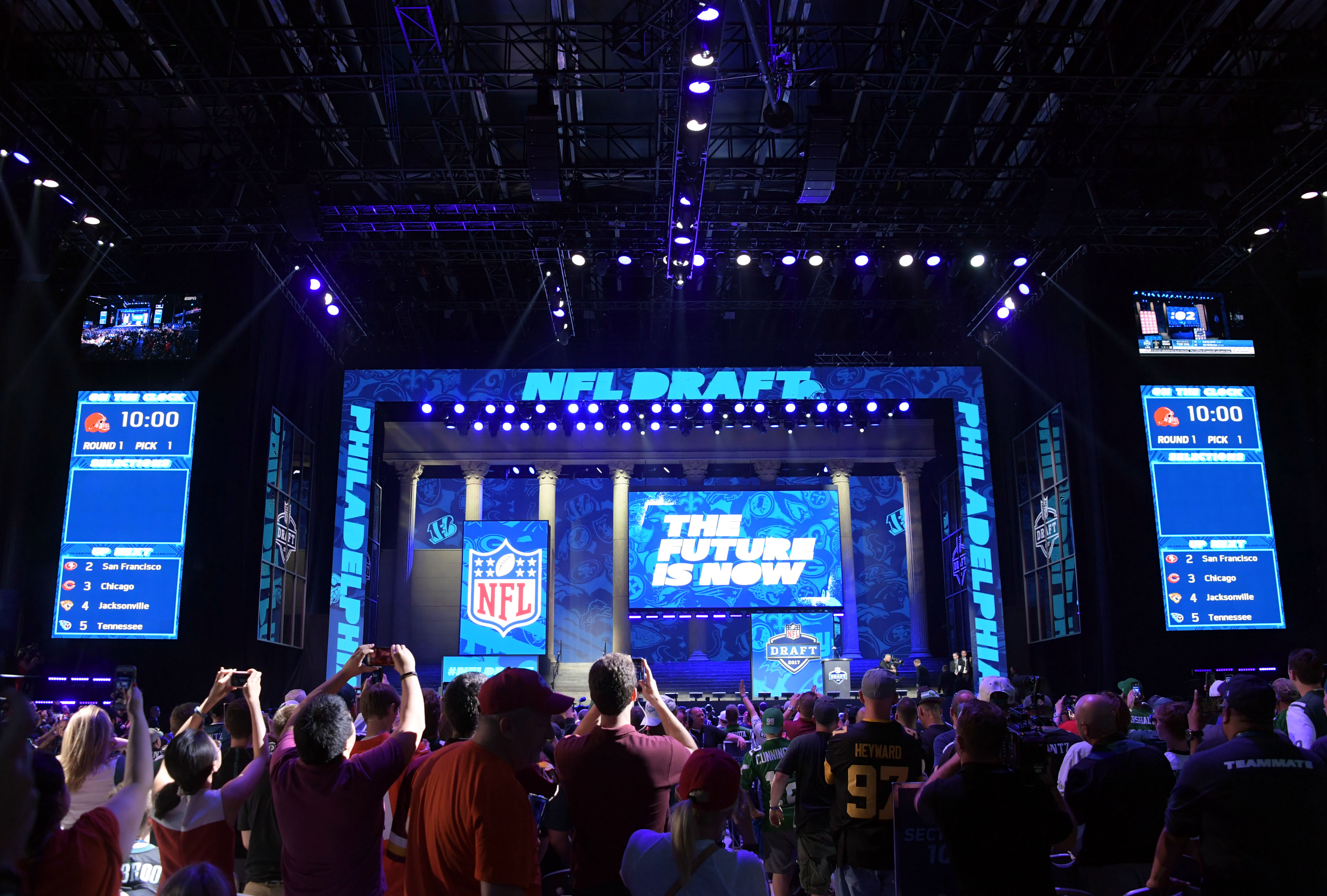 PHILADELPHIA, PA - The crowd waits for picks to be announced at the 2017 NFL Draft at the Philadelphia Museum of Art.