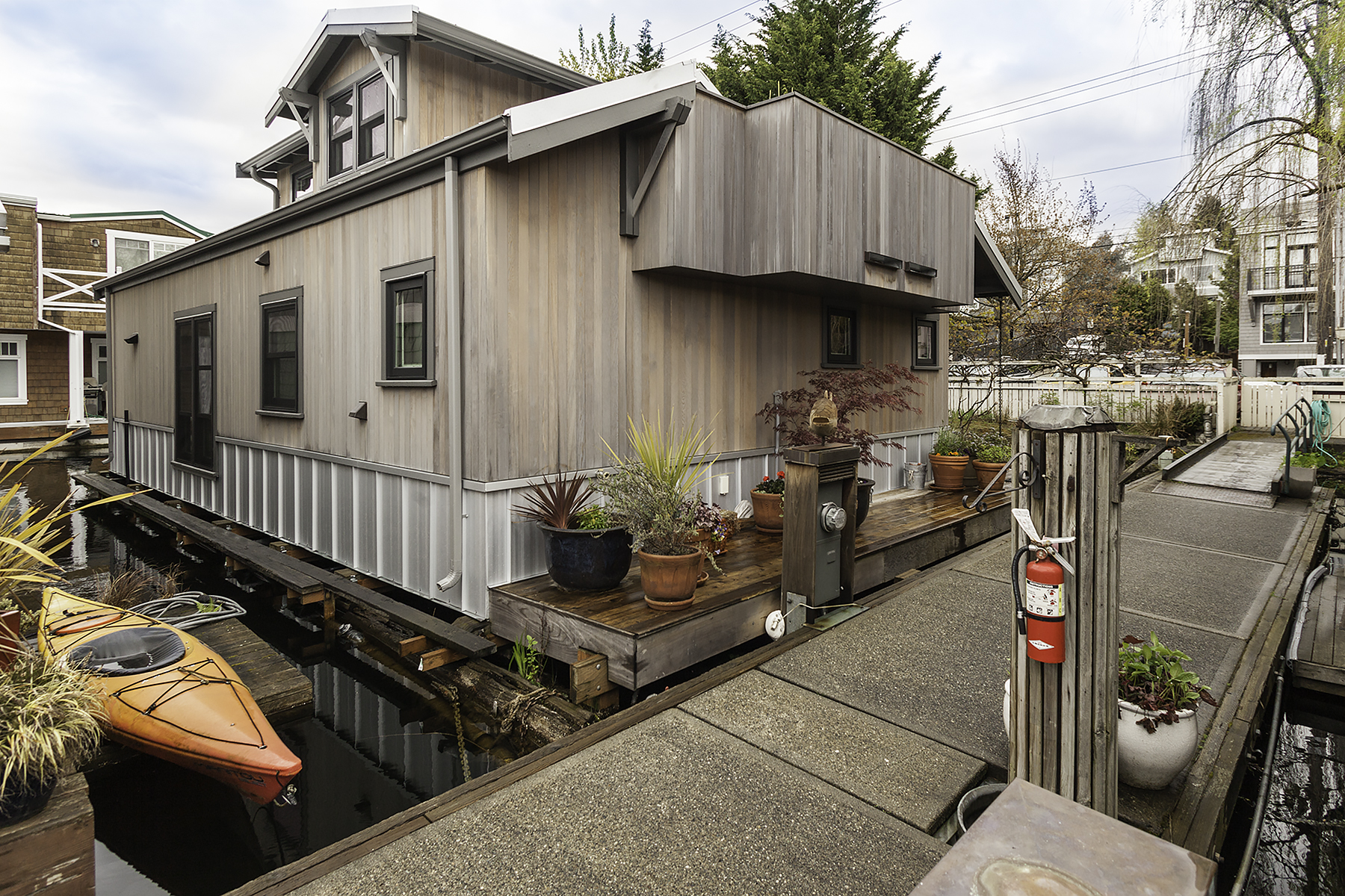 Enjoy the city life at sea in this Eastlake floating home
