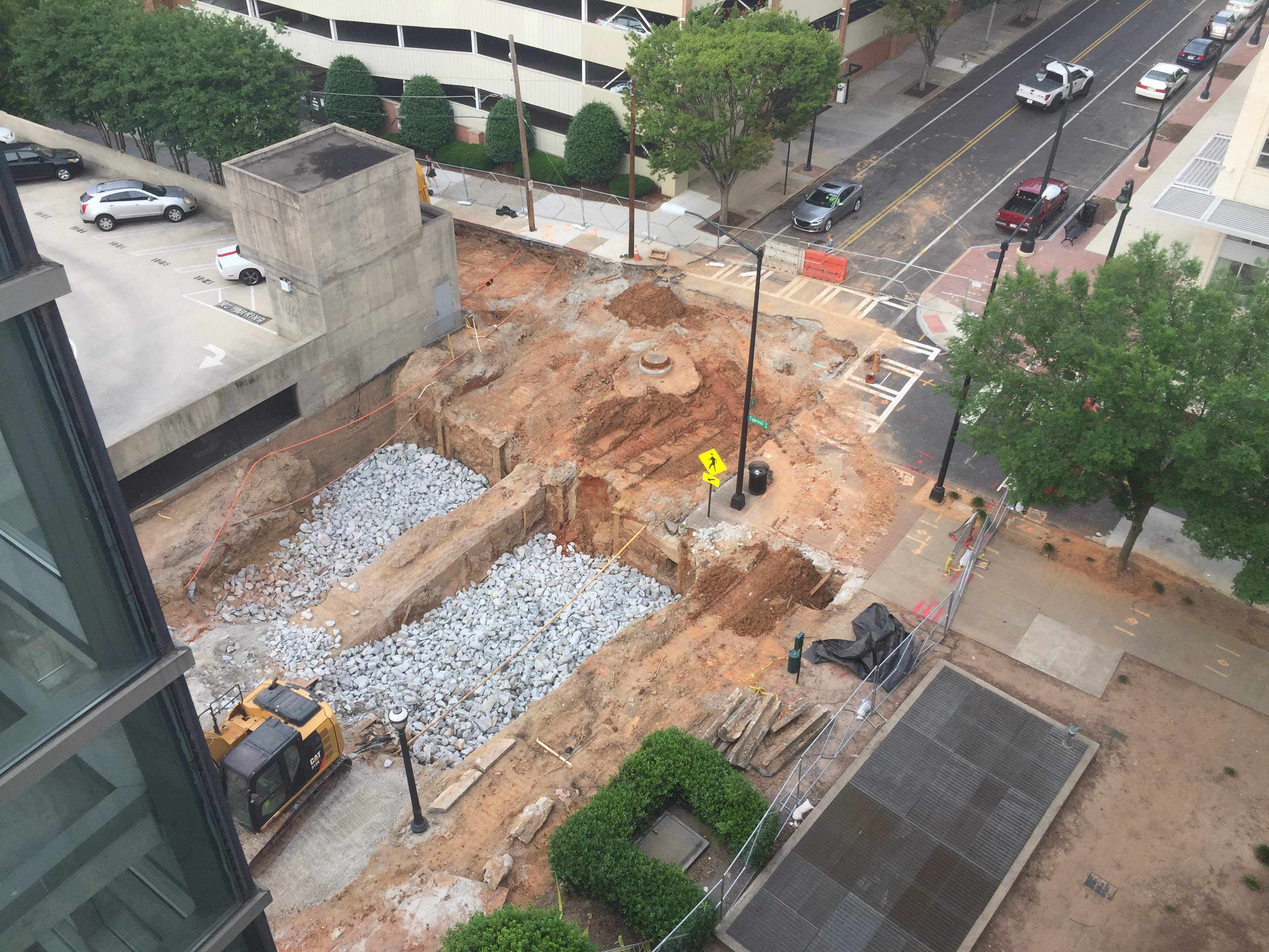 Photos: Mega Midtown Atlanta sinkhole grows even bigger
