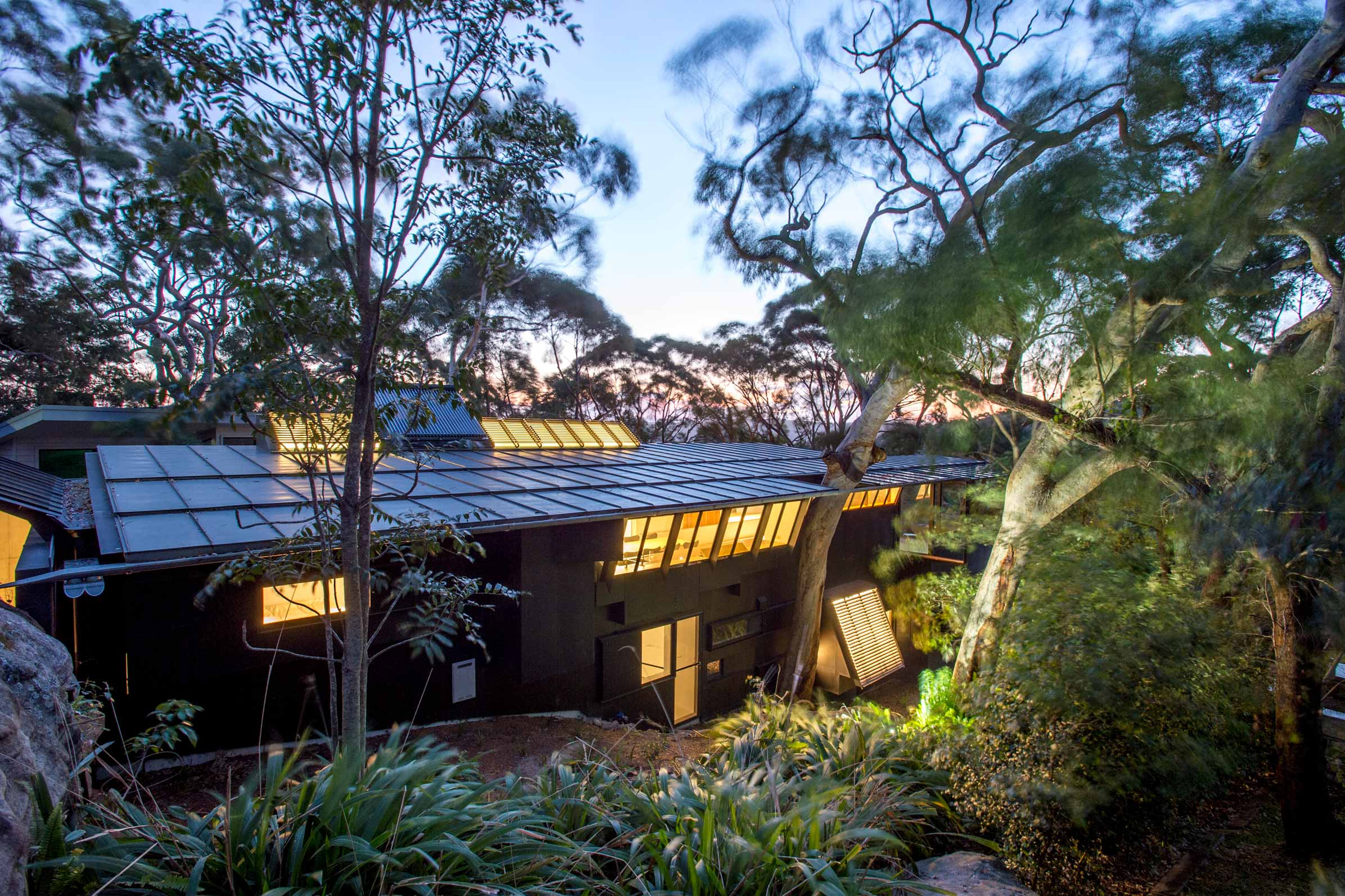 Pritzker winner-designed modern house hits the market near Sydney