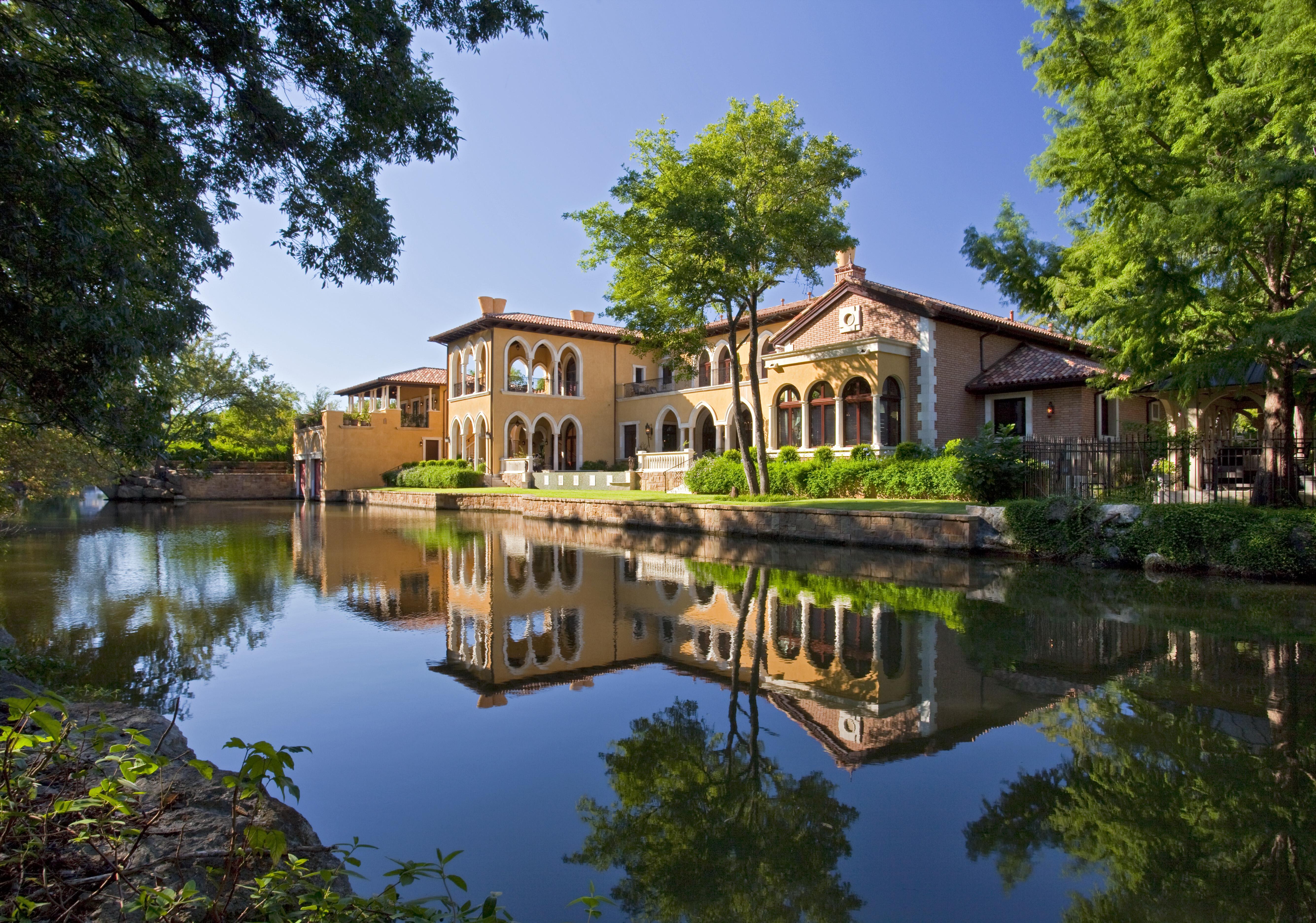 Italianate villa on lake canal