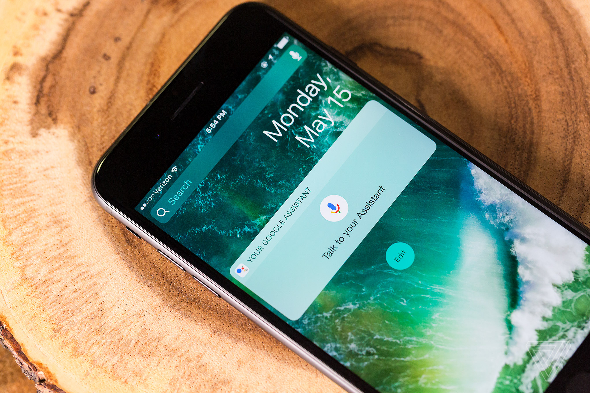 Hey Siri, Google Assistant is on the iPhone now - The Verge