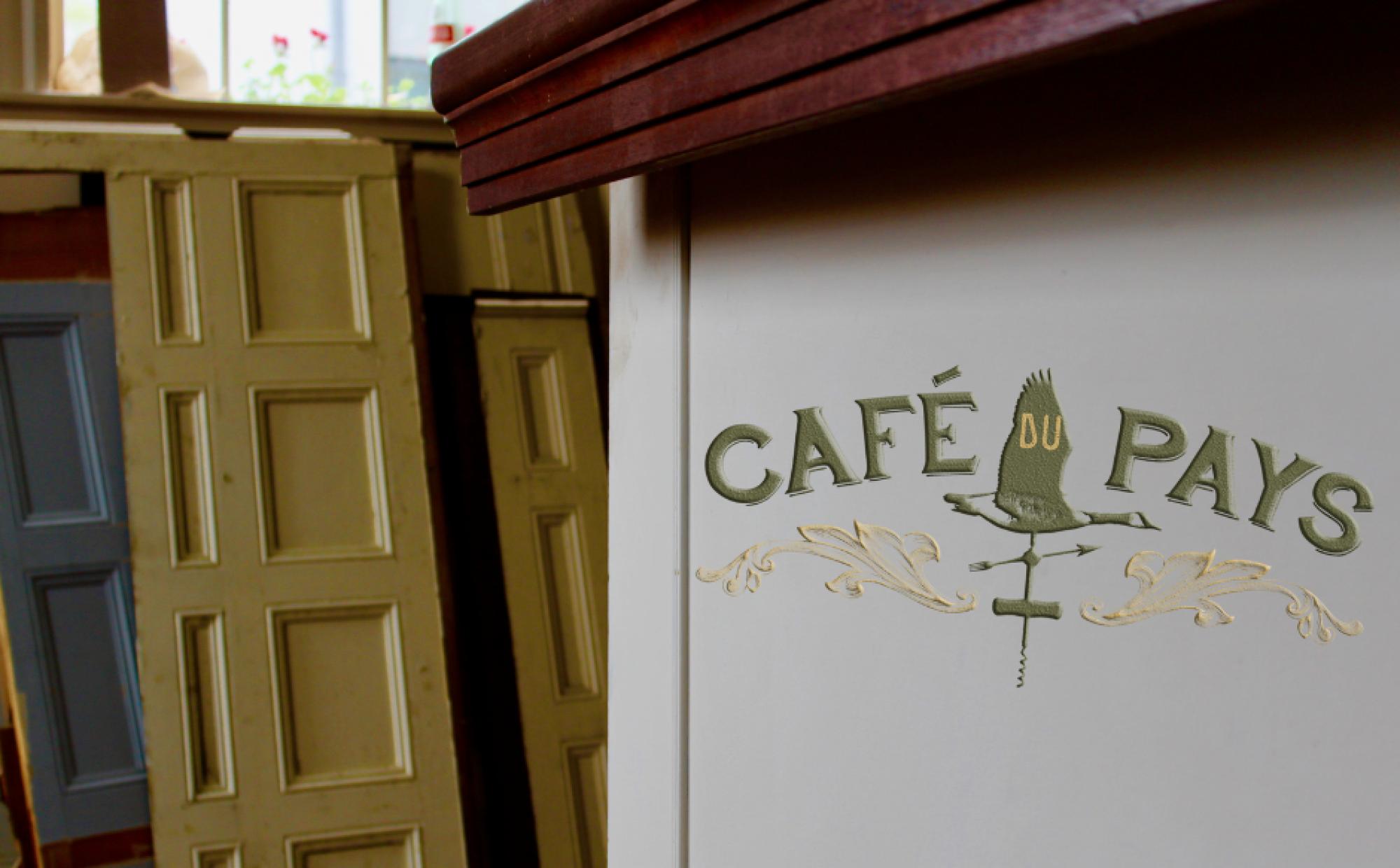 Cafe du Pays