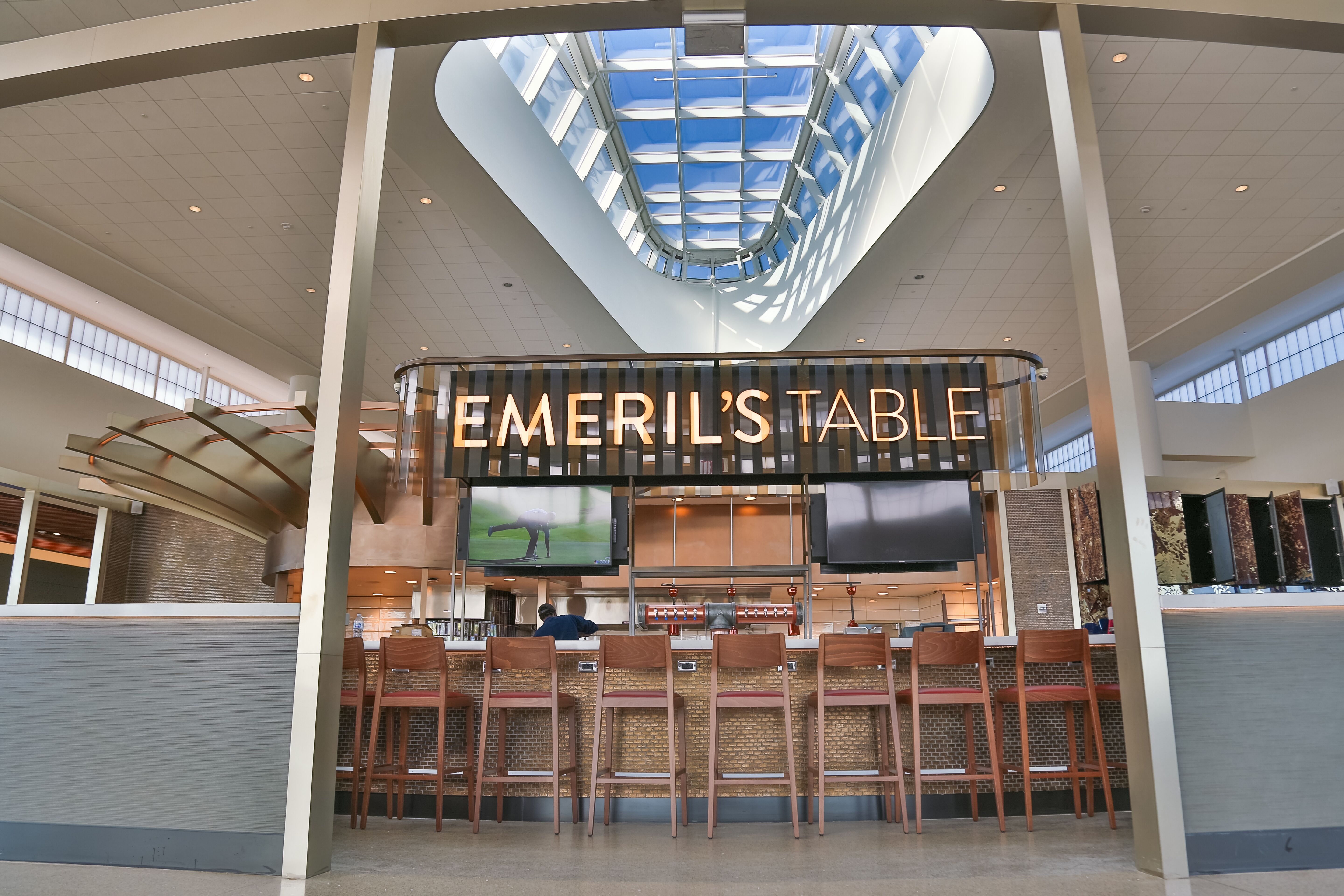 Where to Eat at Louis Armstrong New Orleans International Airport