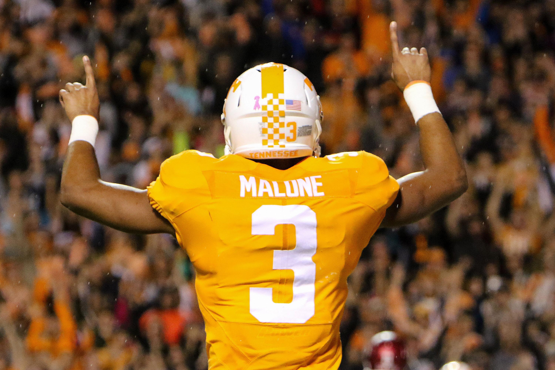 NCAA Football: Arkansas at Tennessee